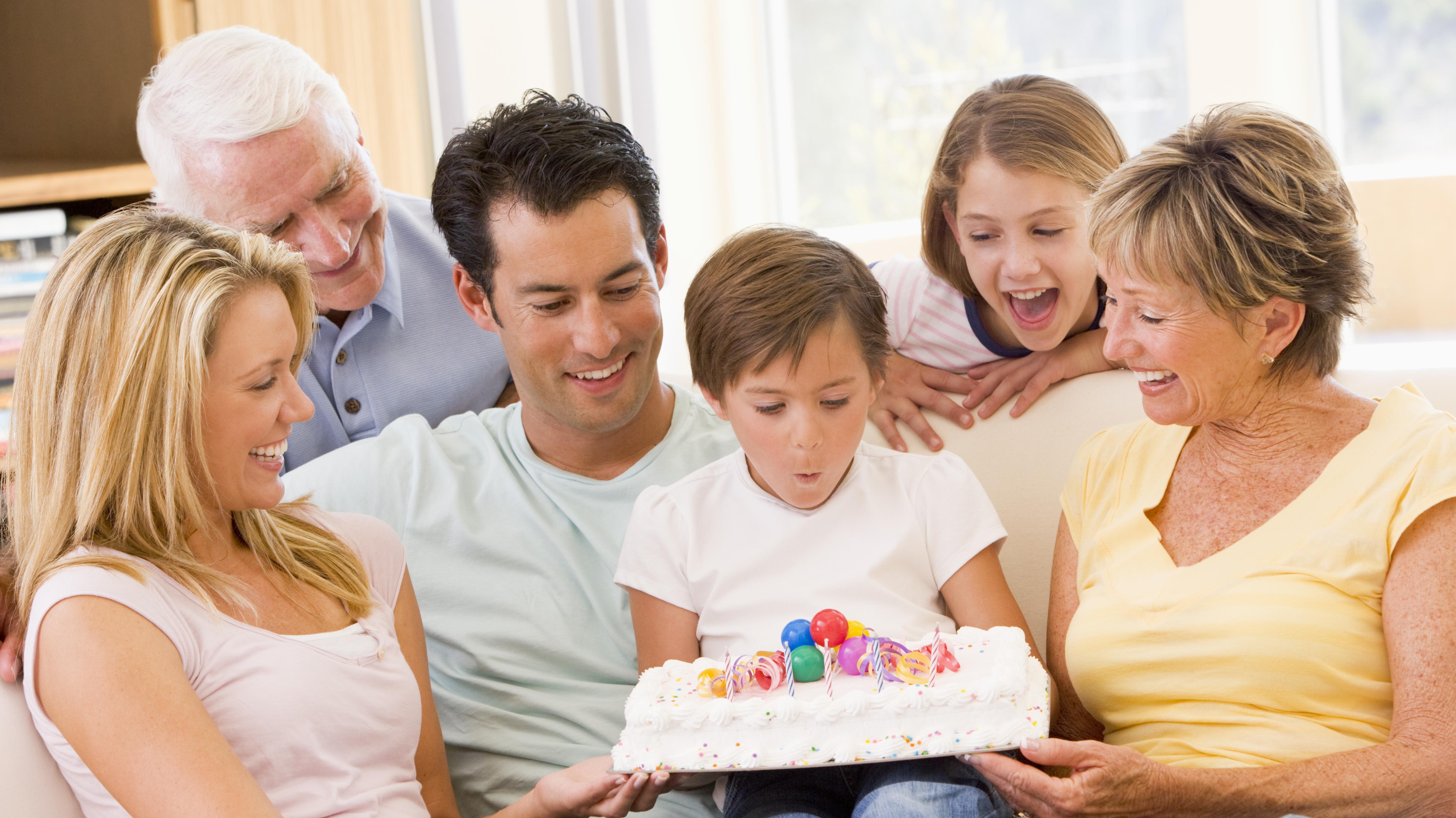 Vi tror stadig på myten om den perfekte familie | Lev nu | DR