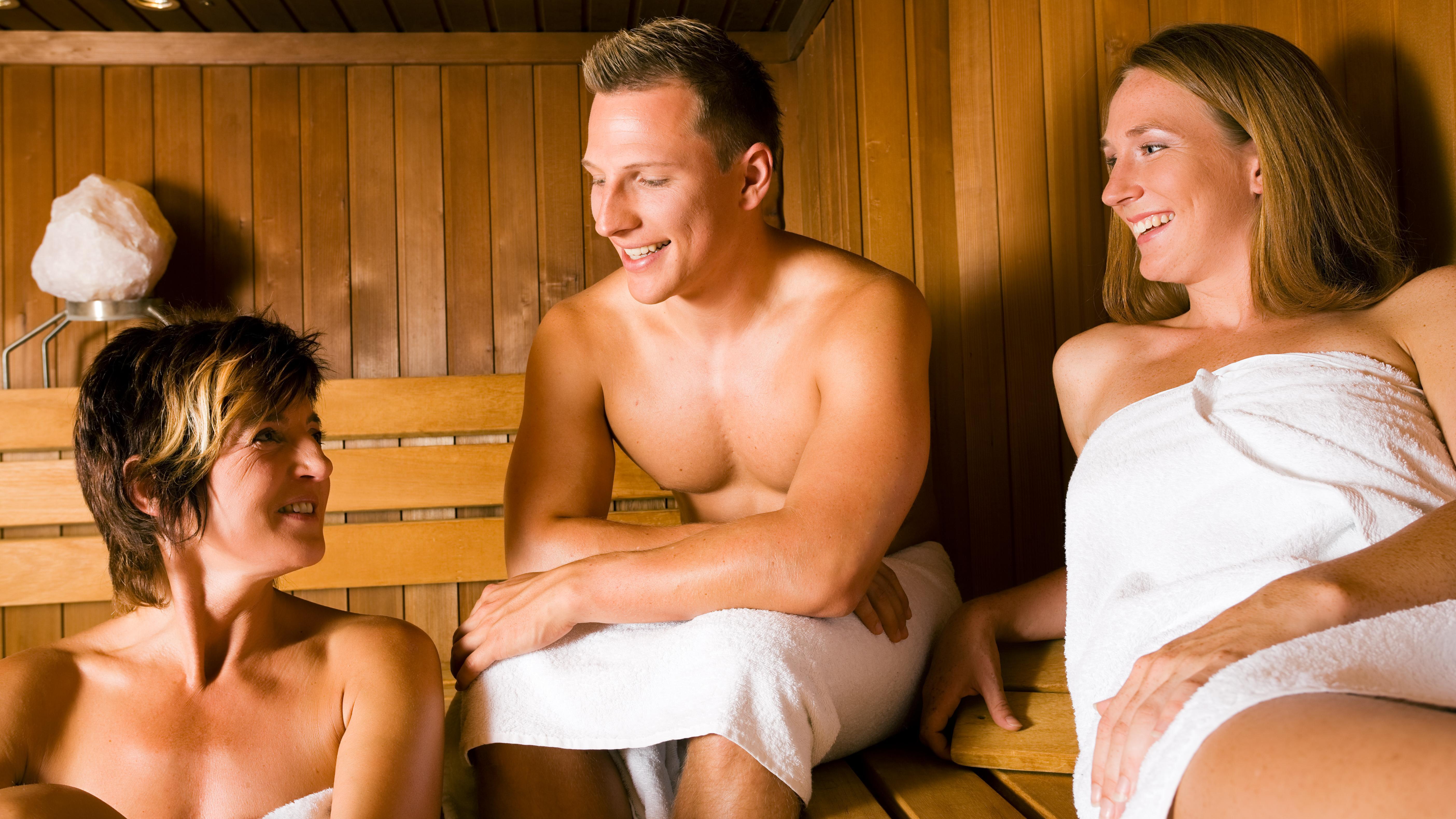 drikke massage nøgen tæt på Aalborg