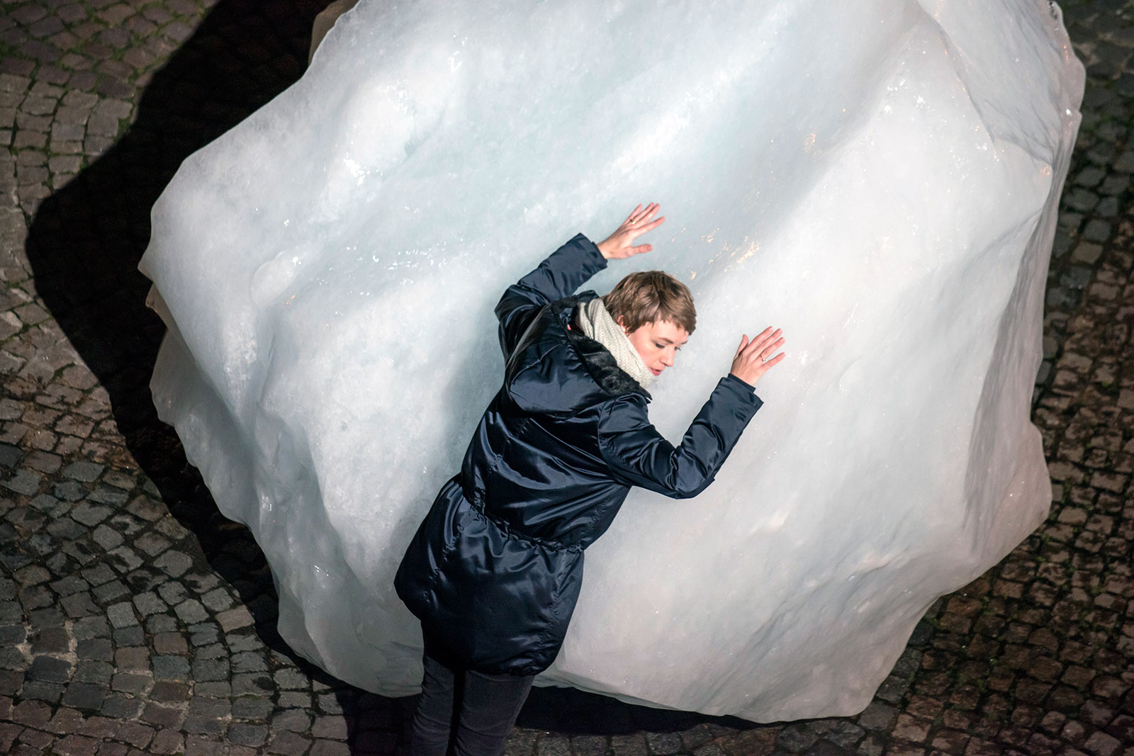 Ice Watch af Olafur Eliasson og Minik Rosing på Place du Panthéon i Paris