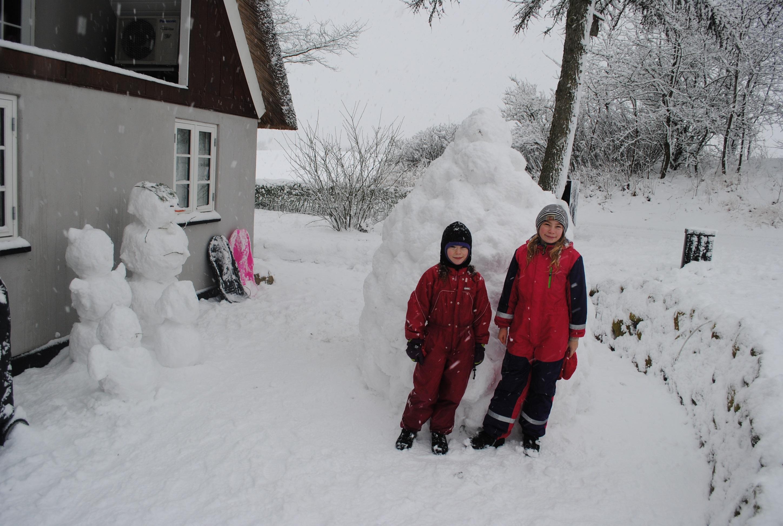 Børn i sne