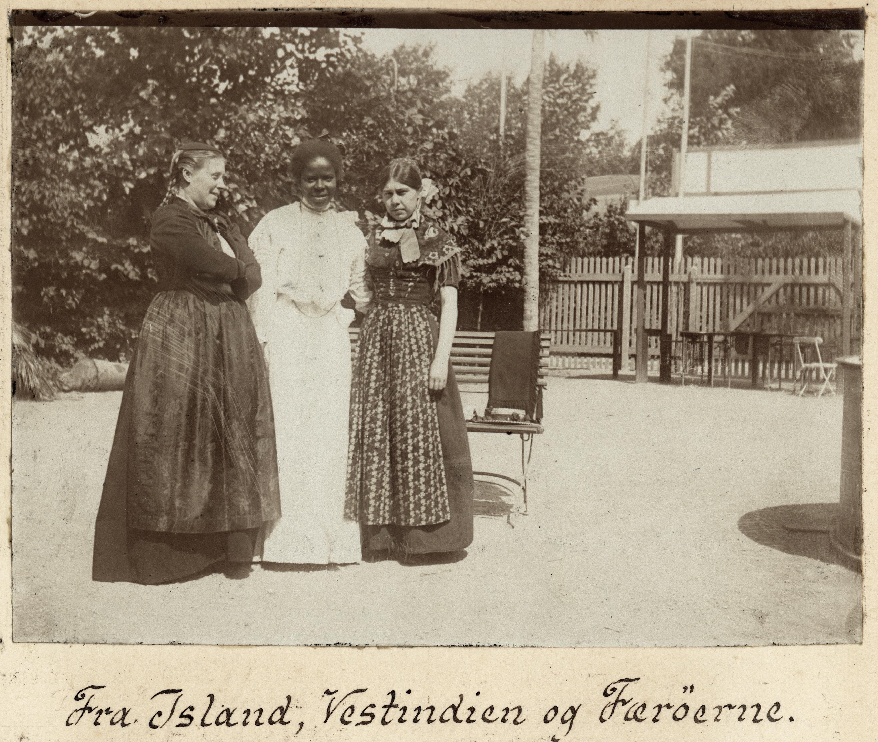 henriette_jensen_paa_koloniudstillingen_i_1905.jpg