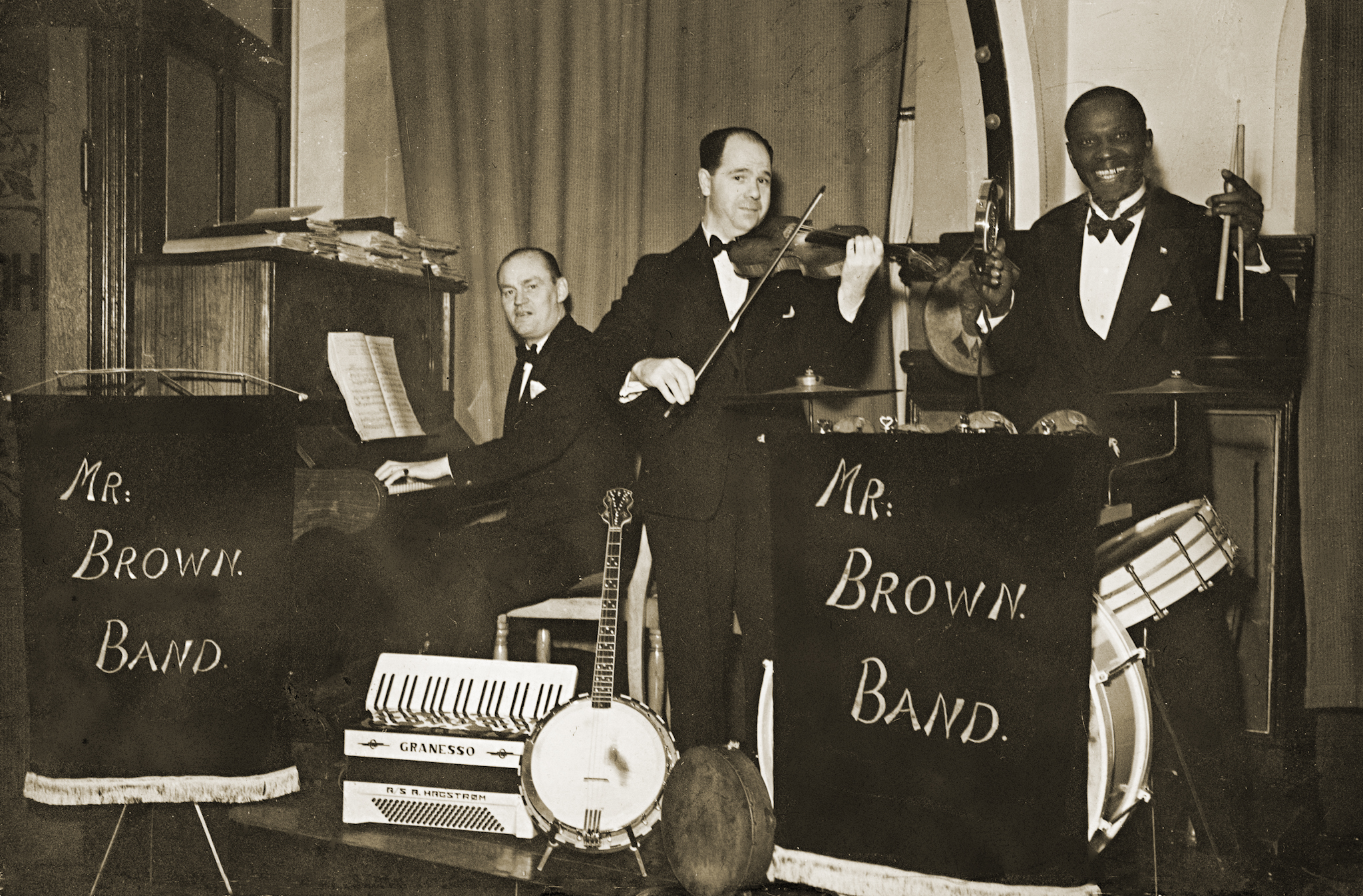joseph_brown_mr_brown_band_privatfoto.jpg
