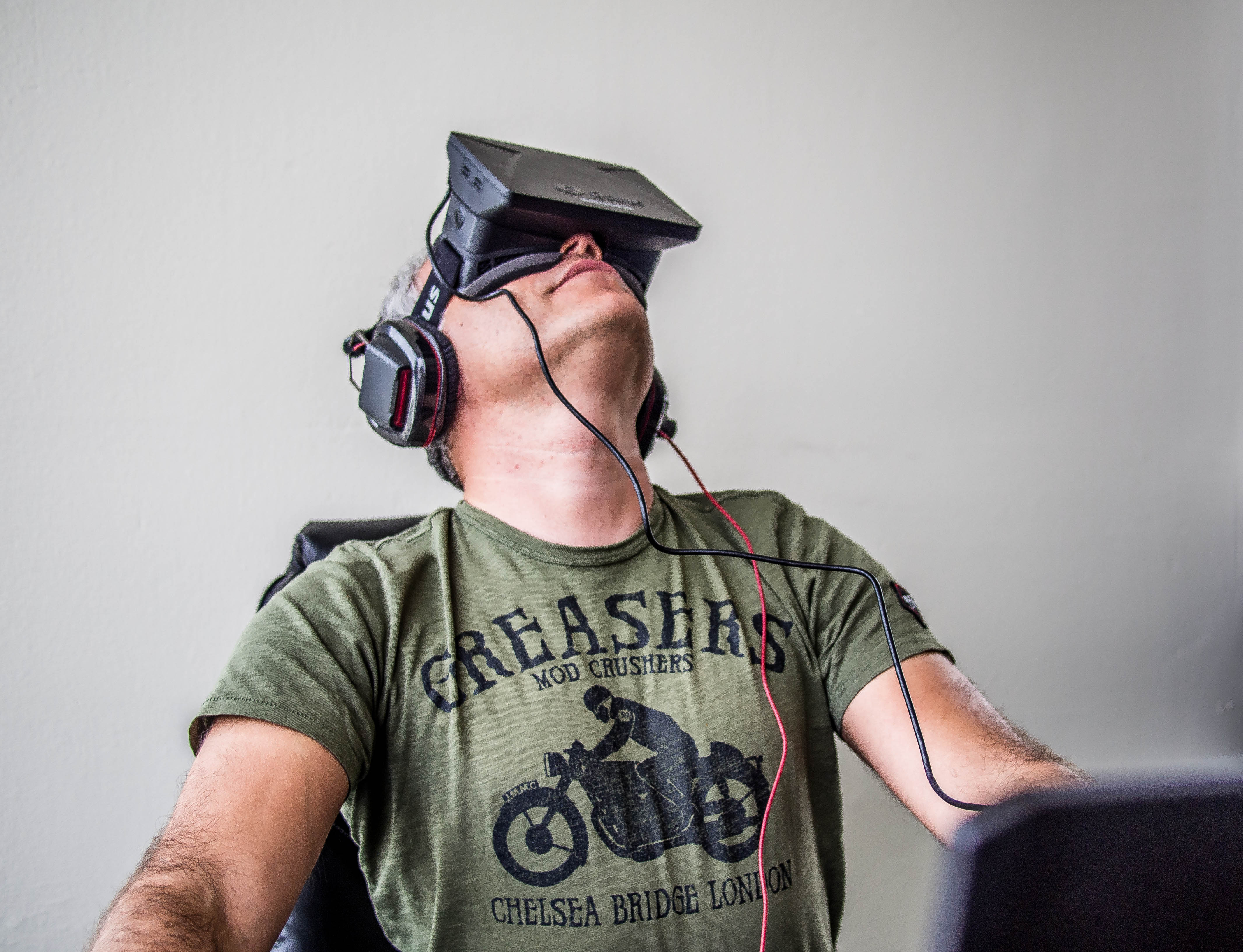 orlovsky_and_oculus_rift.jpg