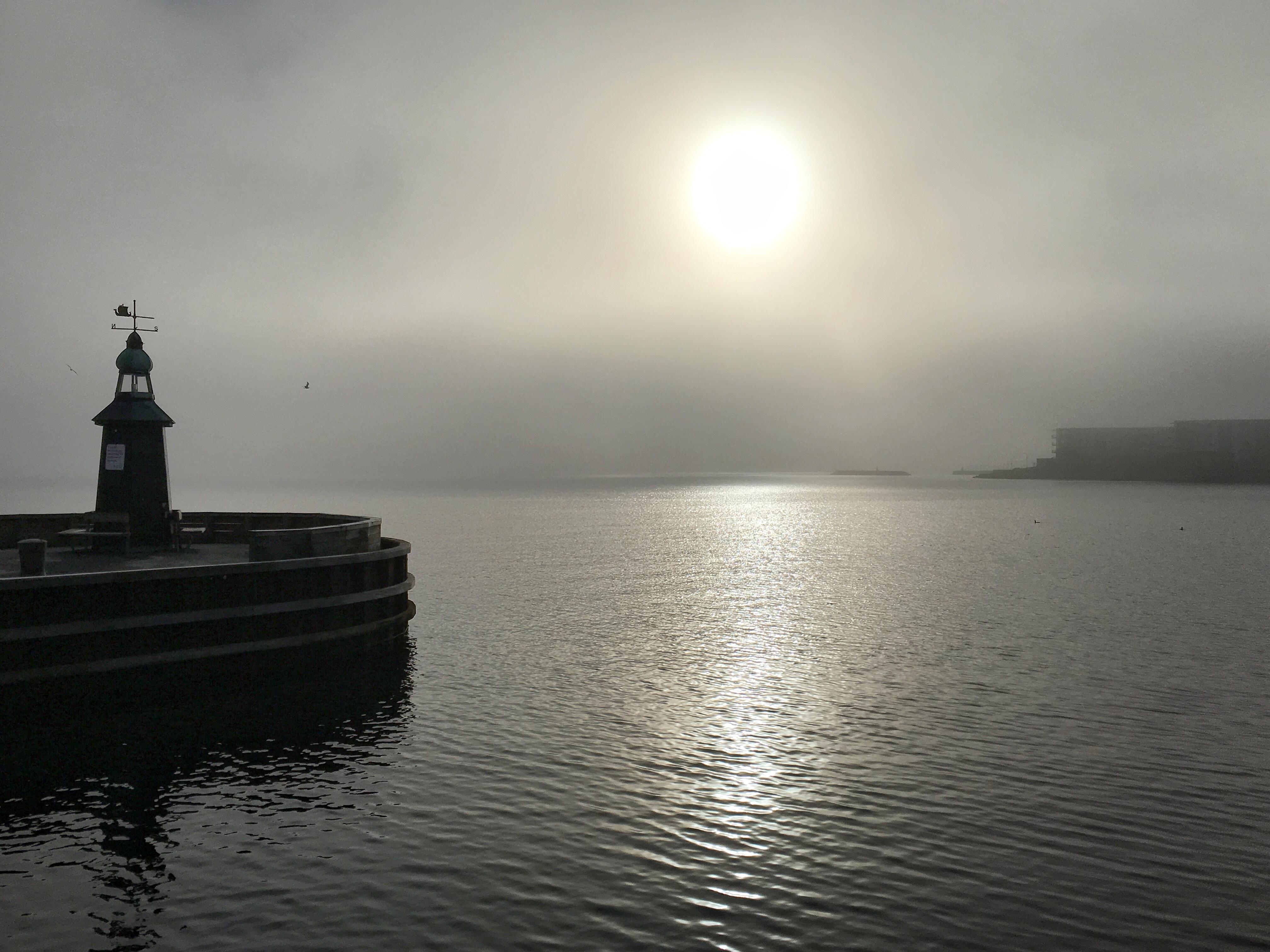 Tåge præger søndagen flere steder