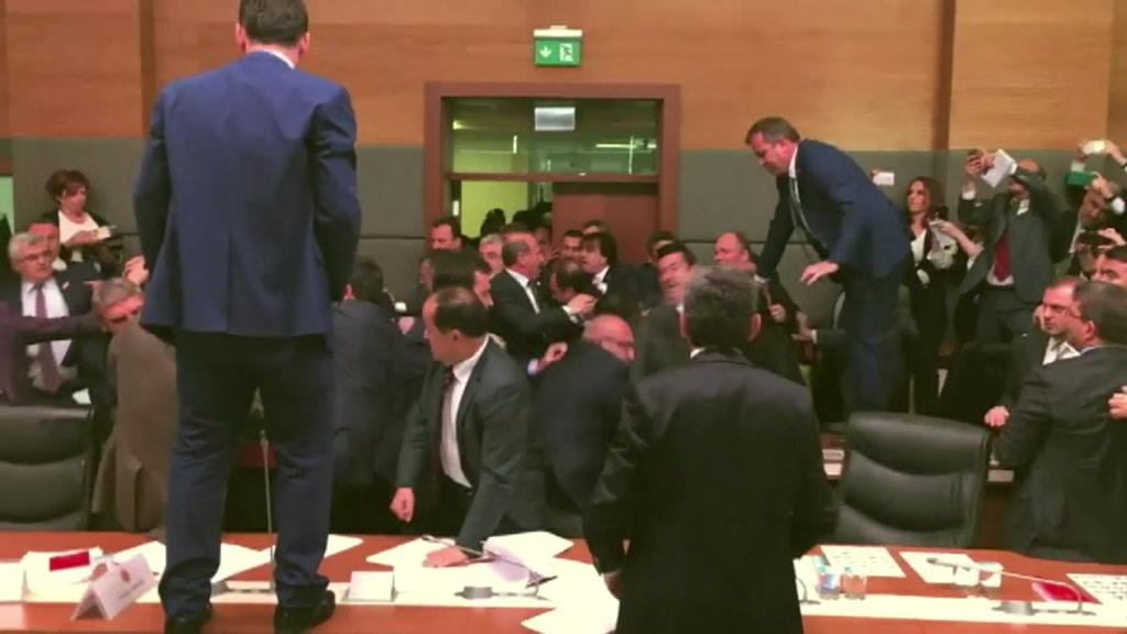 slagsmaal_tyrkiet_parlamentsudvalg_drdkrjpo_00002623.jpeg