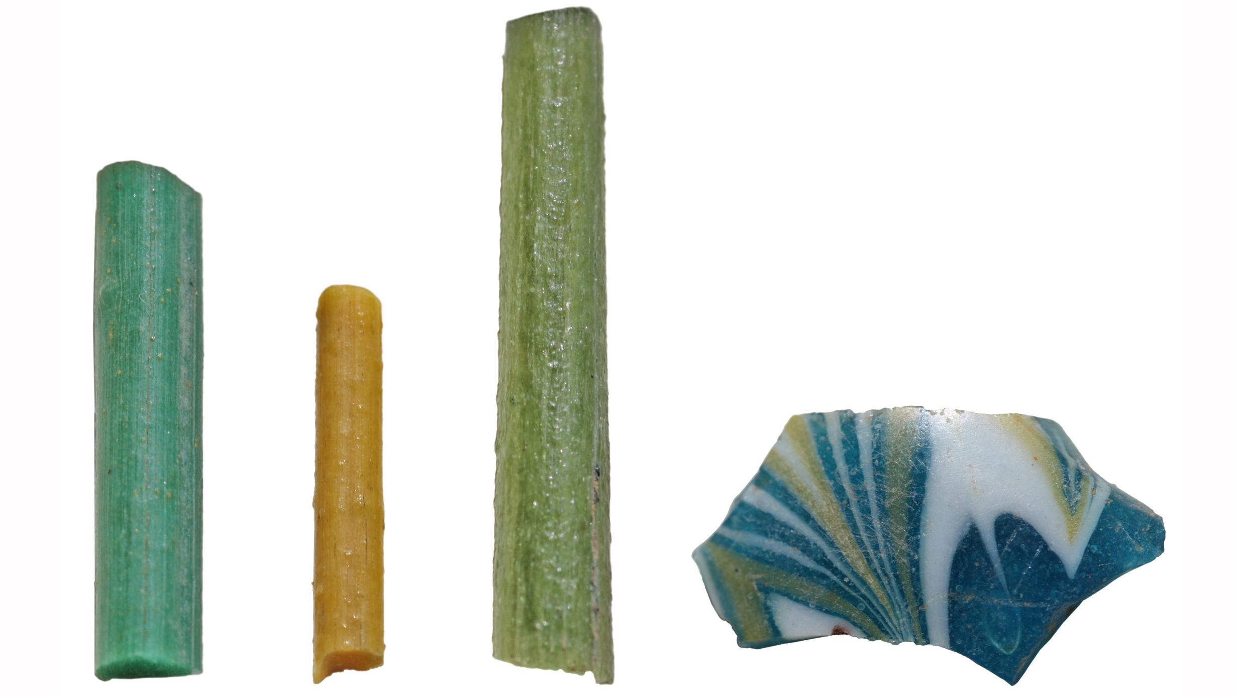 Glasstave fra Armana, Egypten, fire gange naturlig størrelse