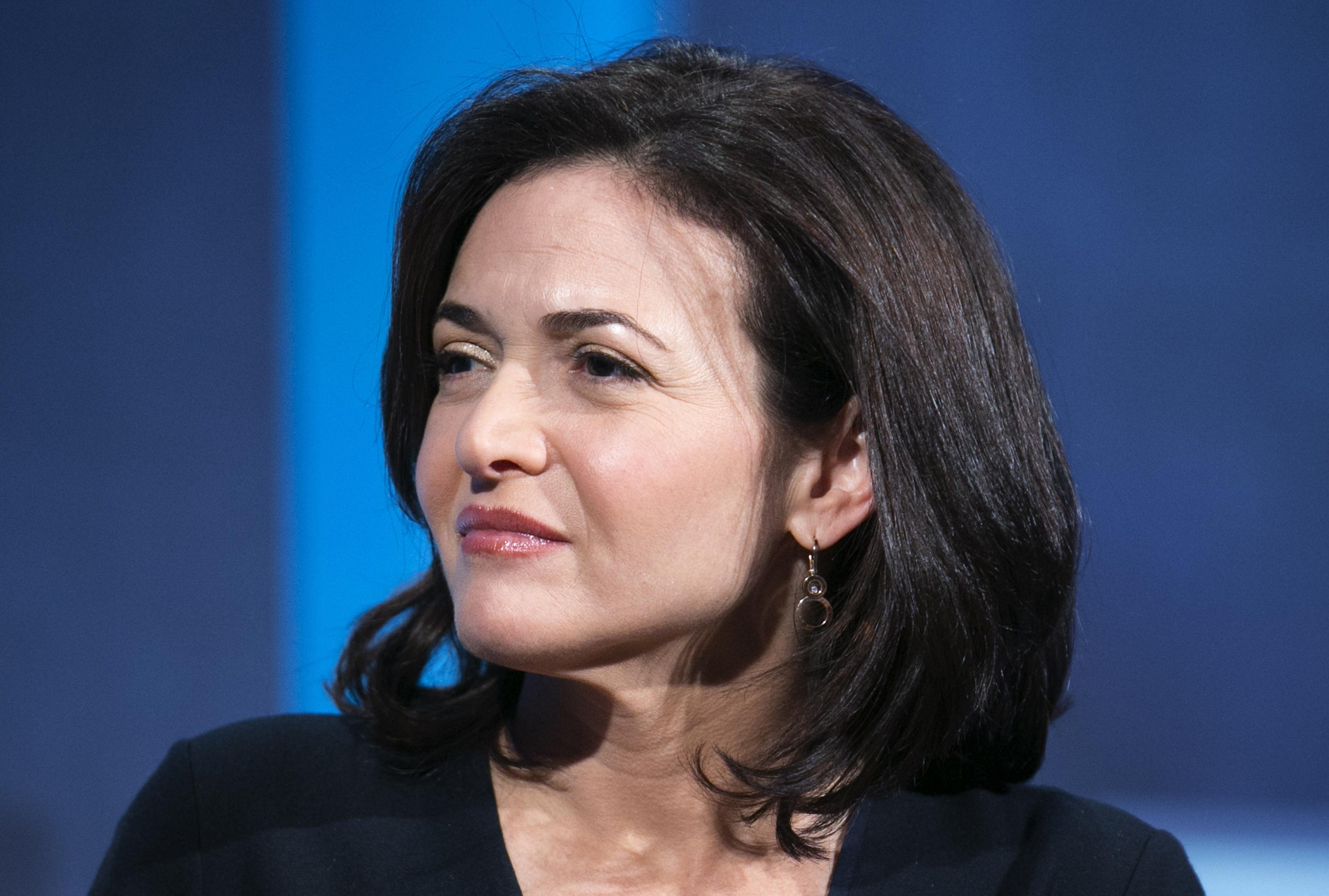 nyheder article. id :her er verdens mest magtfulde kvinder.