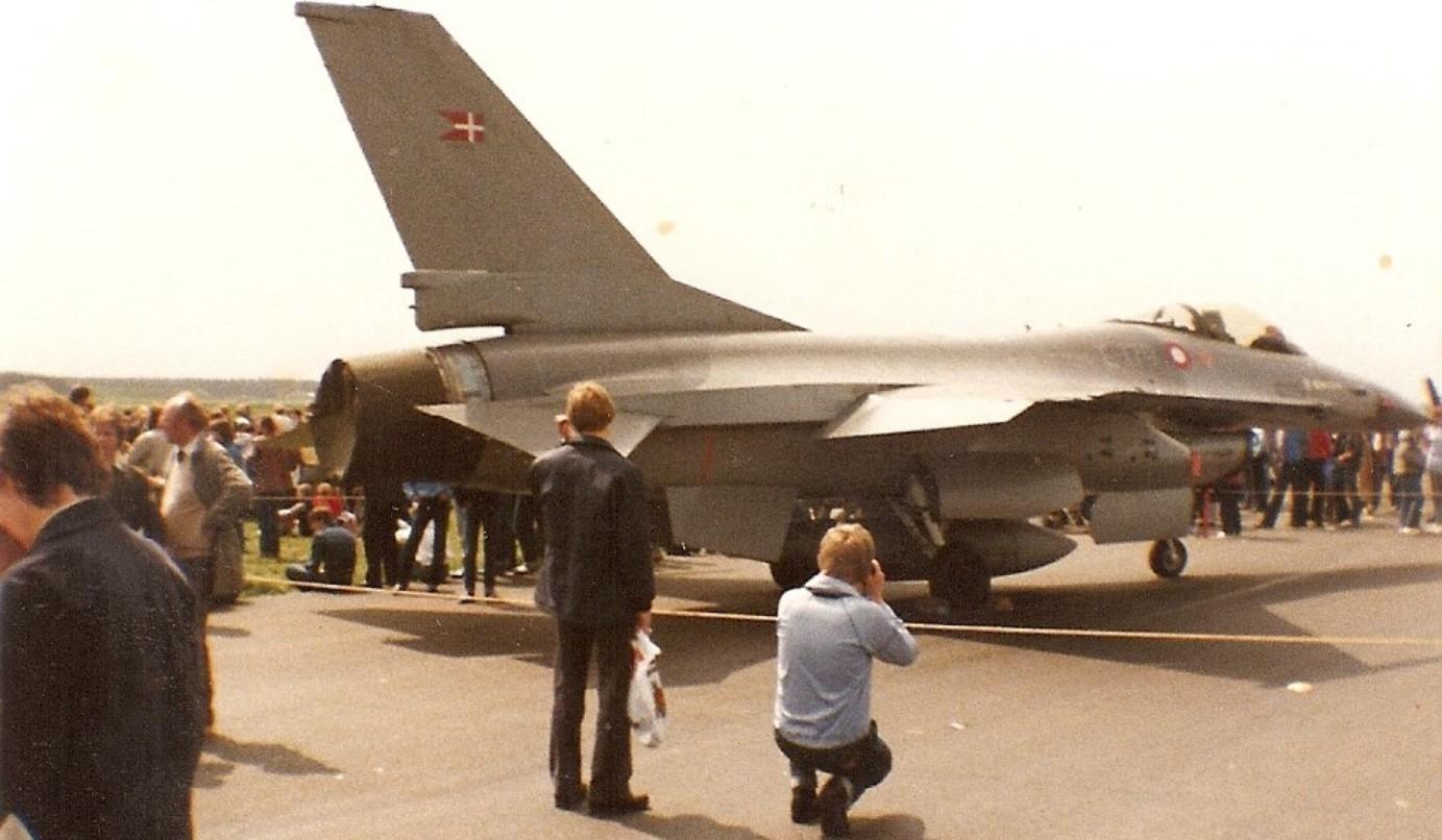 f-16_-_007_fsn-sky_29.05.1983.jpg