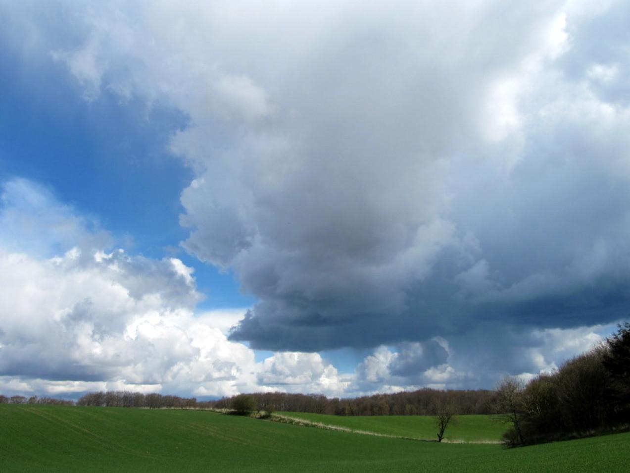himmel og skyer