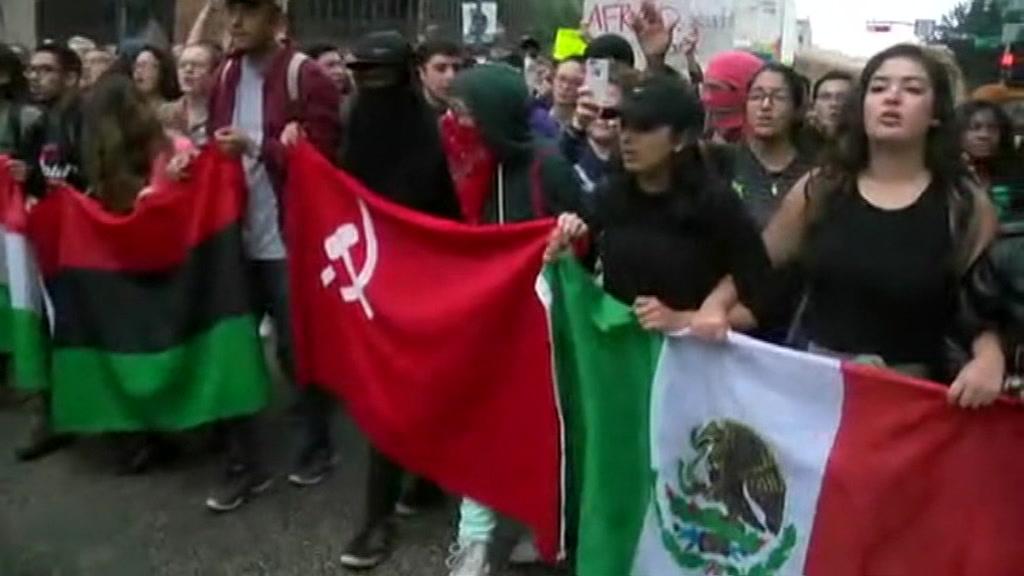 uselex_texas_students_protest_00021200.jpeg