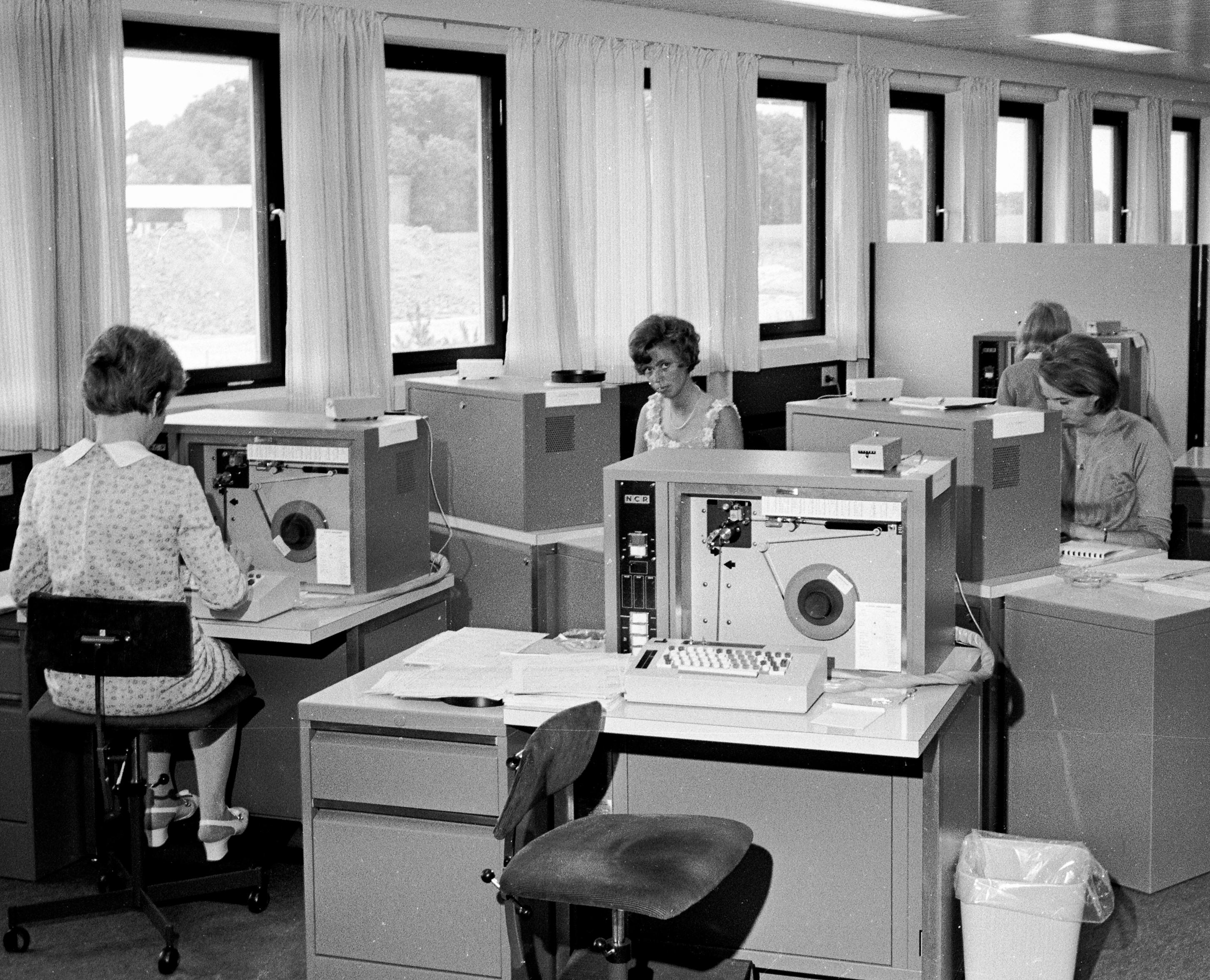 Dengang Skat gav alle danskere et års skattefri løn | Kultur | DR