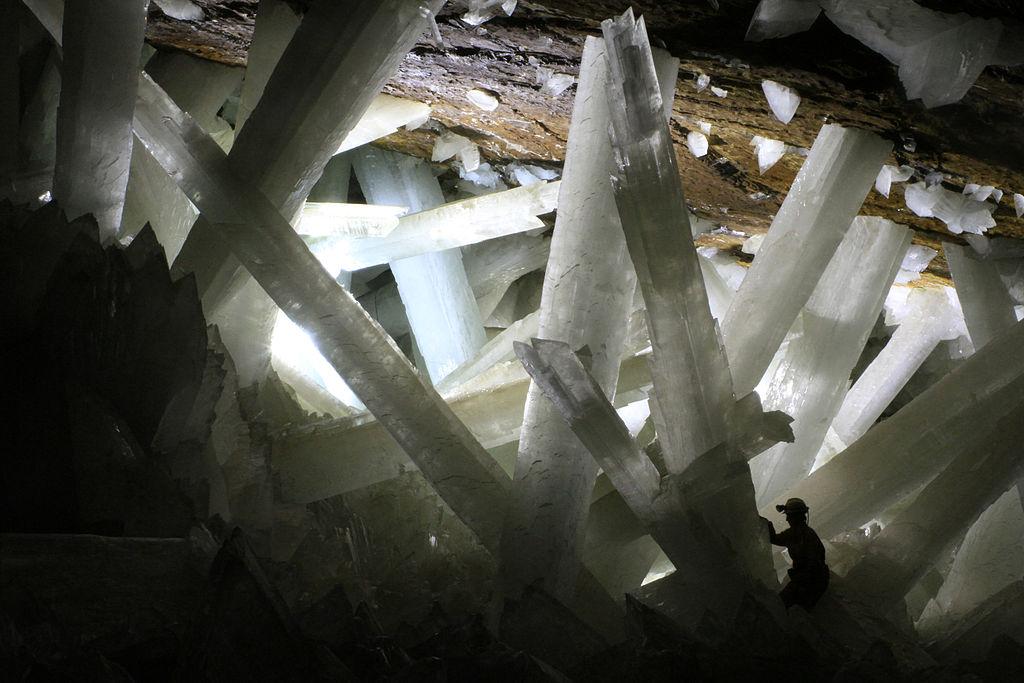 1024px-cristales_cueva_de_naica.jpg
