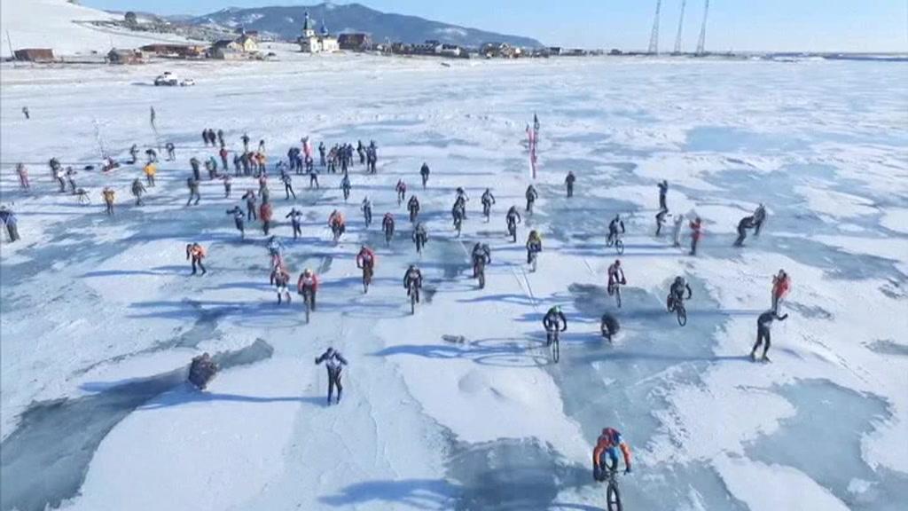 Vinterrace på verdens dybeste ferskvandssø