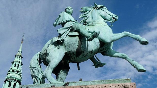 absalon_statue.jpg