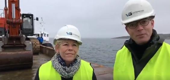 Esben Lunde Larsen og Lise Bech indvier stenrev ved Livø