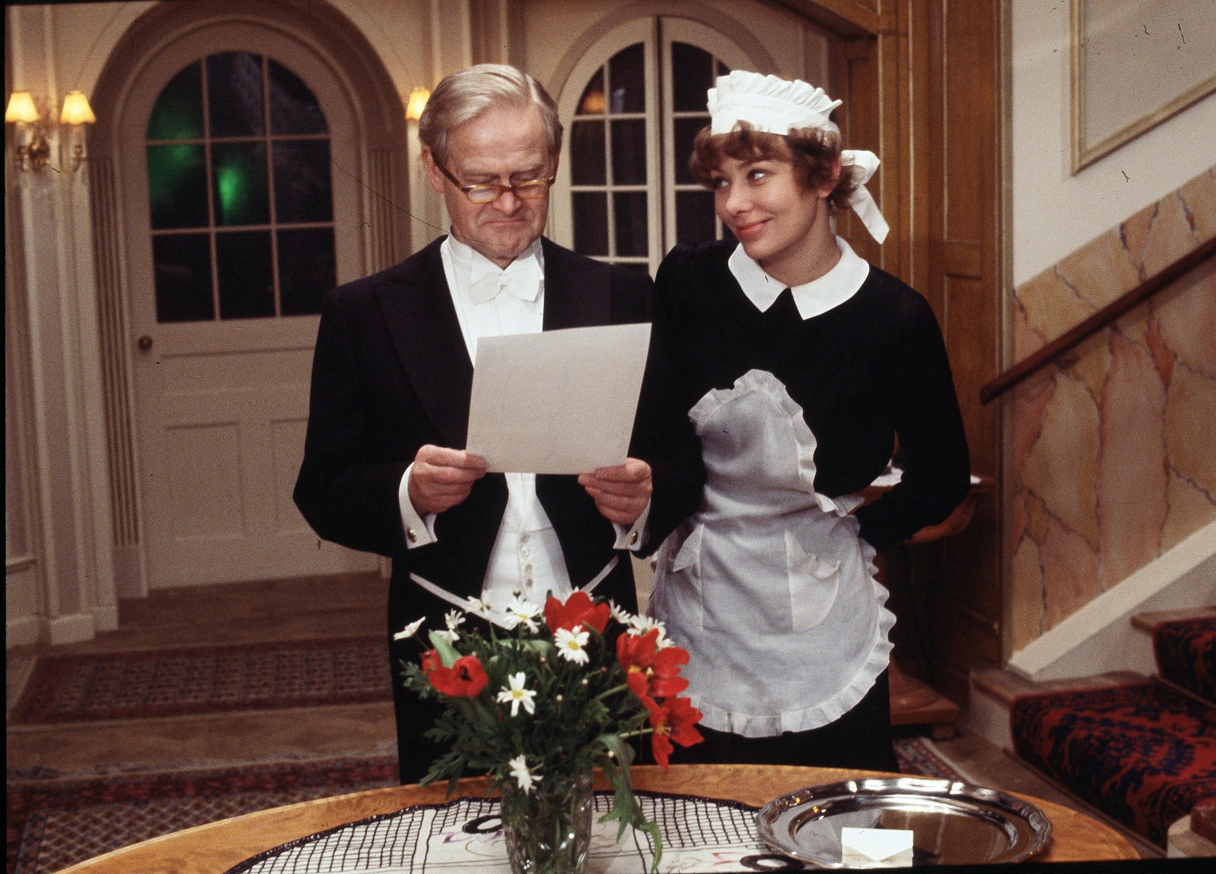Kirsten Olesen og Ove Sprogø i rollerne som Agnes og doktor Hansen i Matador.