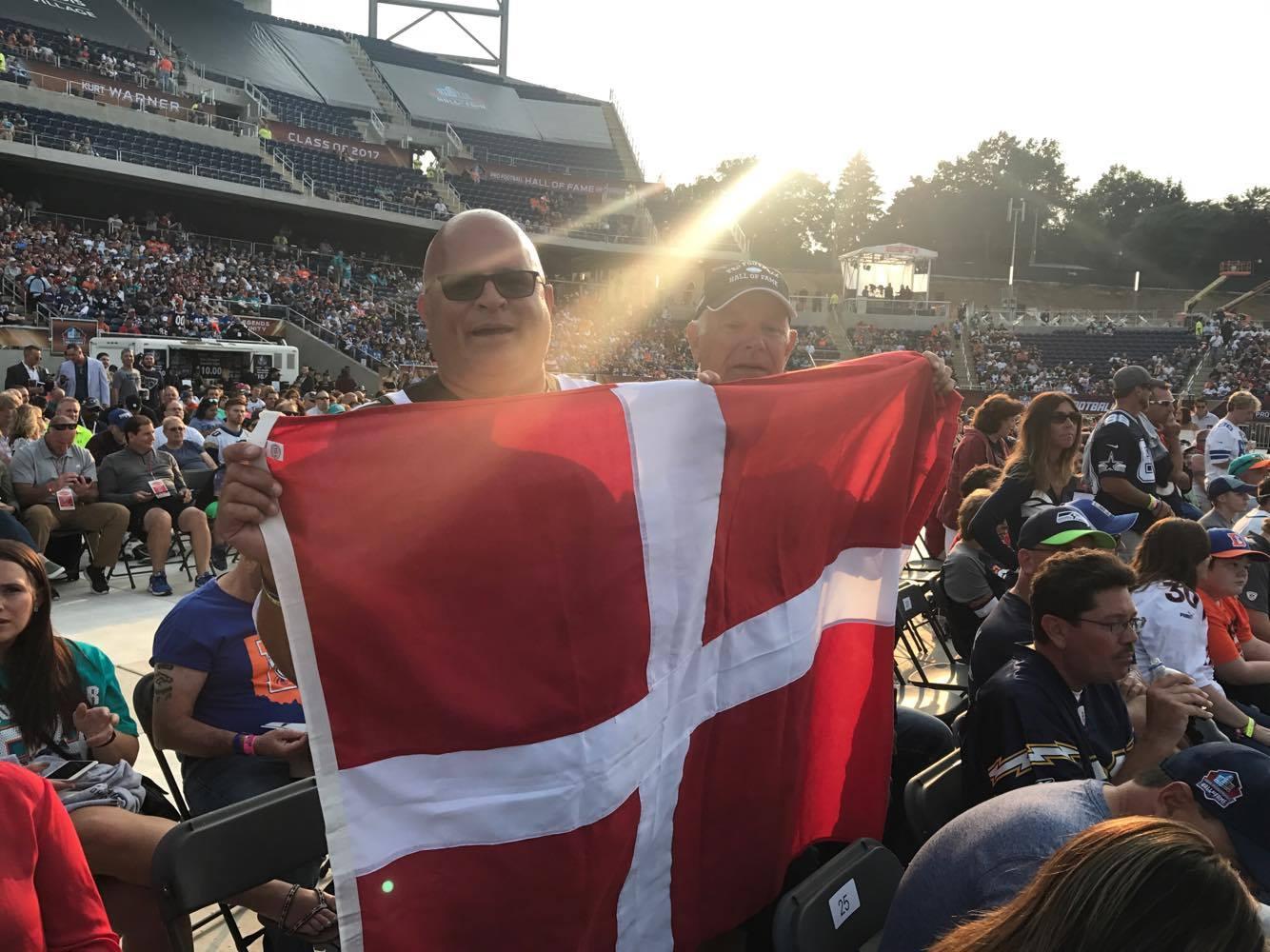 Danske fans med flag