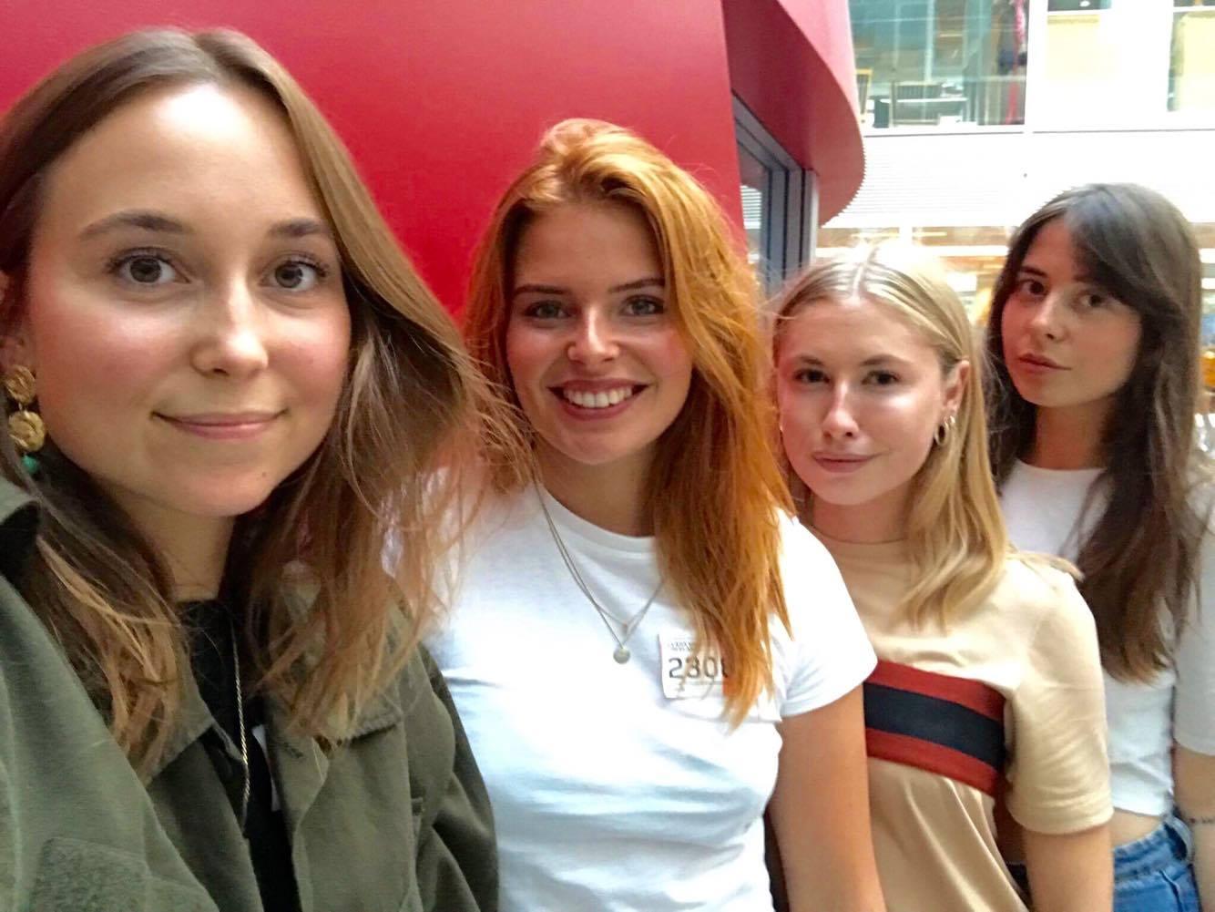 De fire unge kvinder
