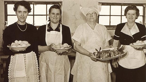kvinder_koekkenet_1950erne.jpg