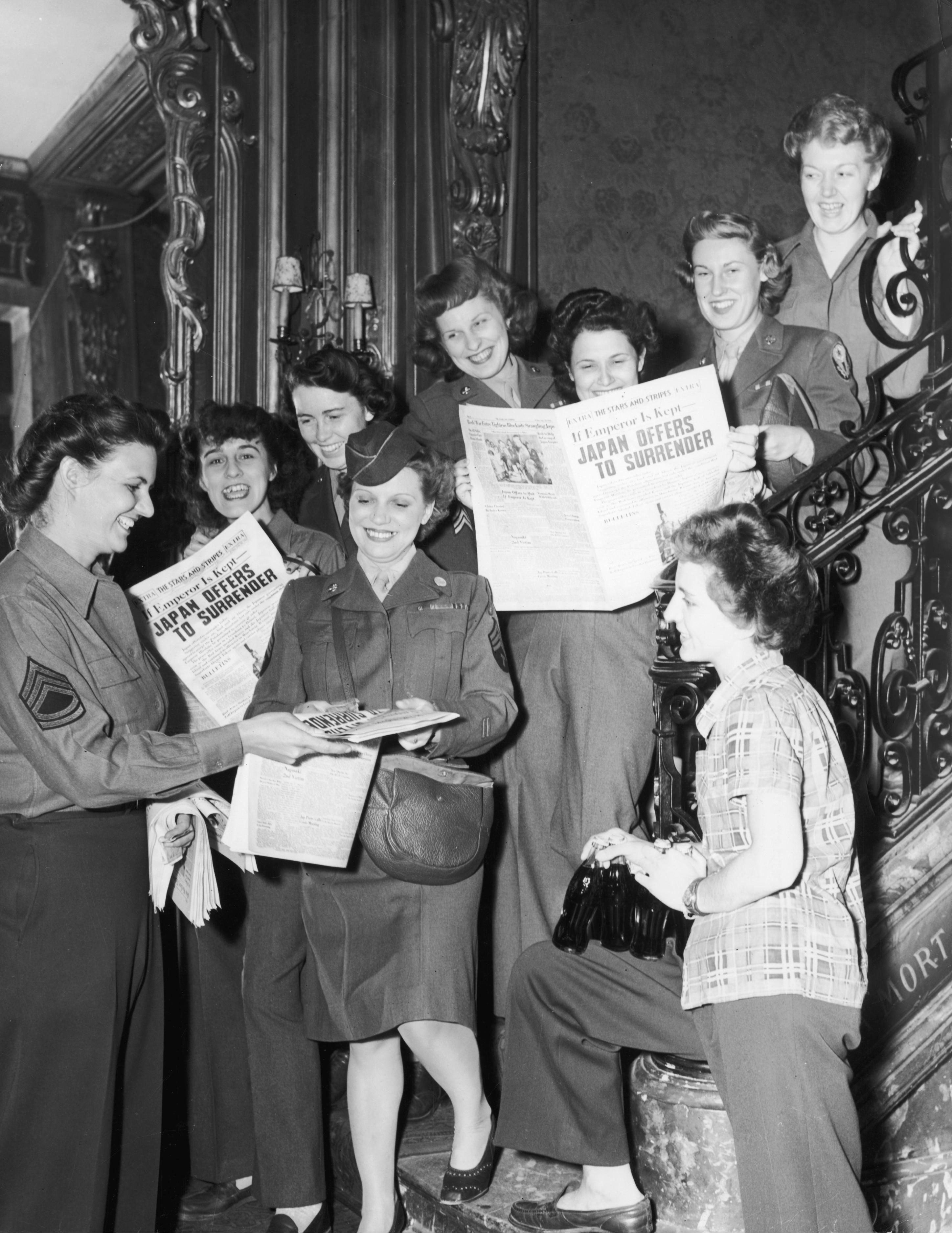 BILLEDER Sådan blev afslutning på 2. Verdenskrig fejret i 1945 | Udland | DR