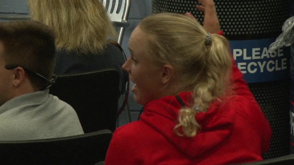Caroline Wozniacki afbryder John Isner