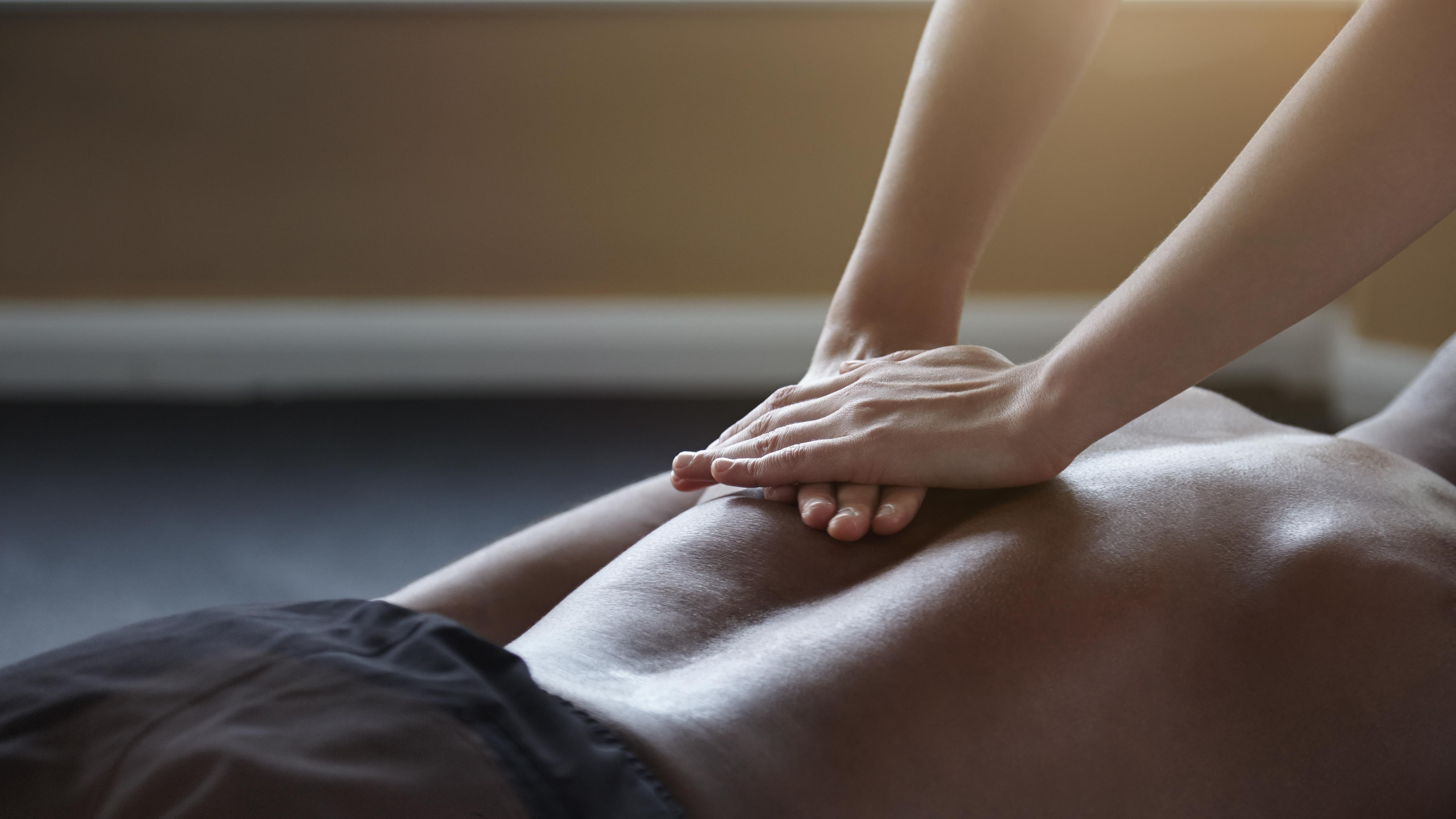 når en mann er forelsket anal massage