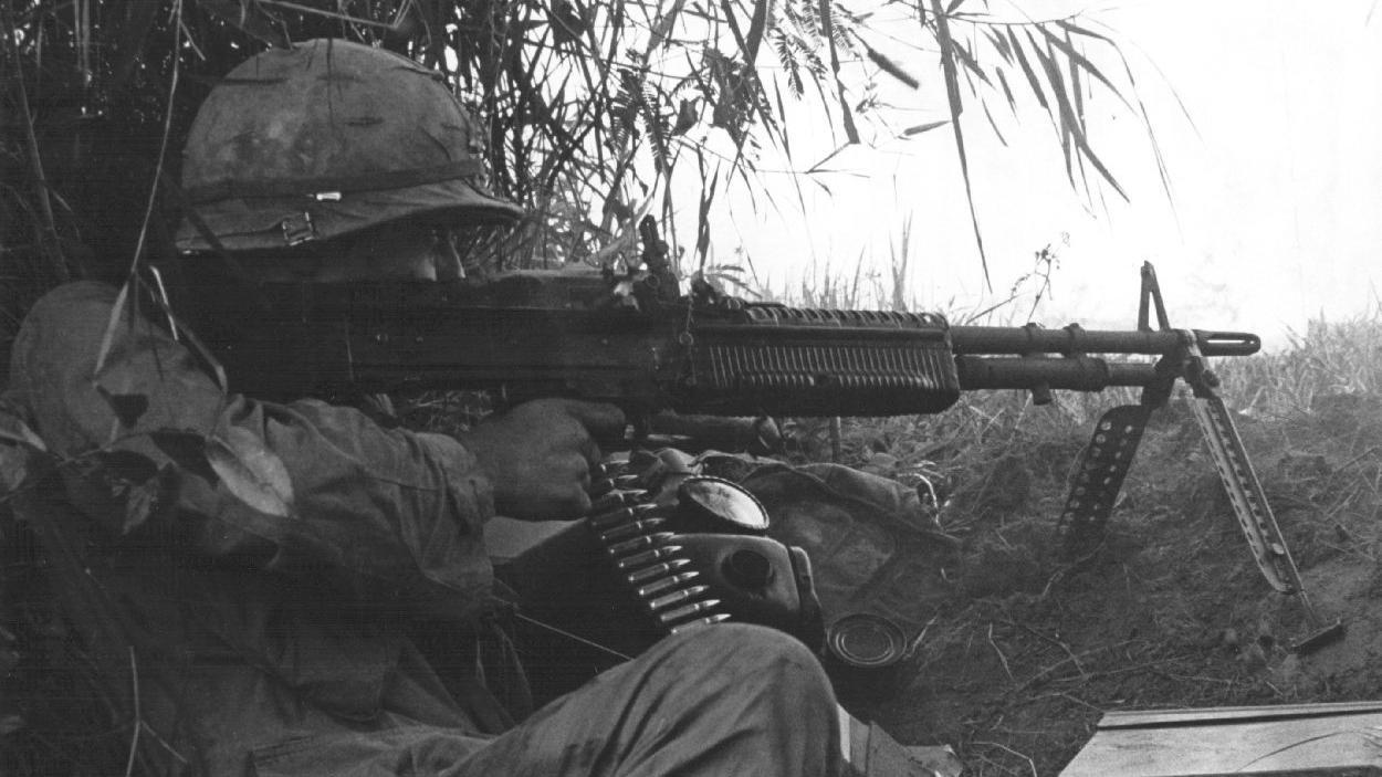 101st_ab_m60_gunner_vietnam.jpg
