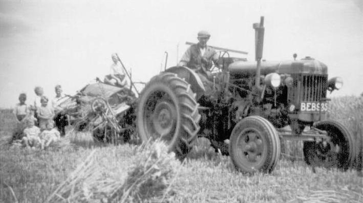 fordson_major_tractor.jpg
