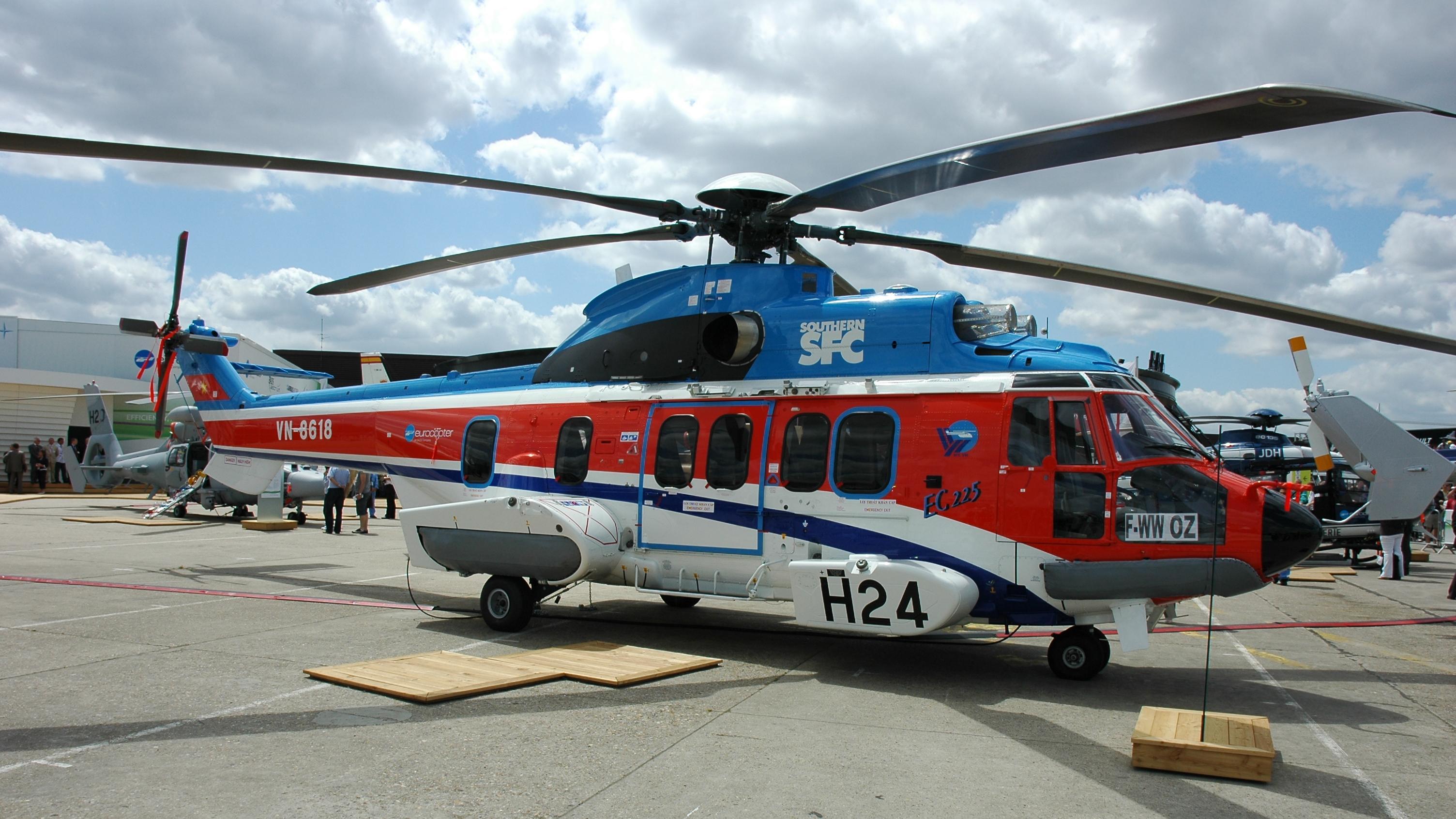 eurocopter_ec225_01.jpg
