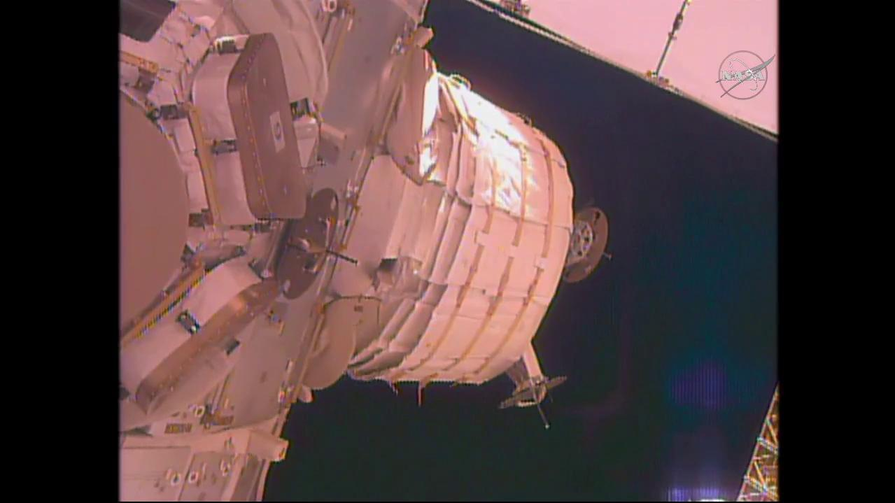 snaps-beam-still-about-beam-expansion-on-nasa-tv-public-_r4.jpg