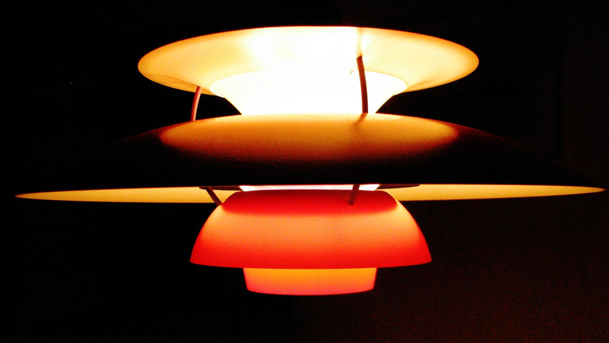 ph lampen fylder 90 lyset skulle g re b de hjem og. Black Bedroom Furniture Sets. Home Design Ideas