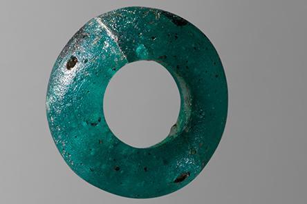 Perler fundet i bronzealdergrav ved Voerladegaard vest for Skanderborg