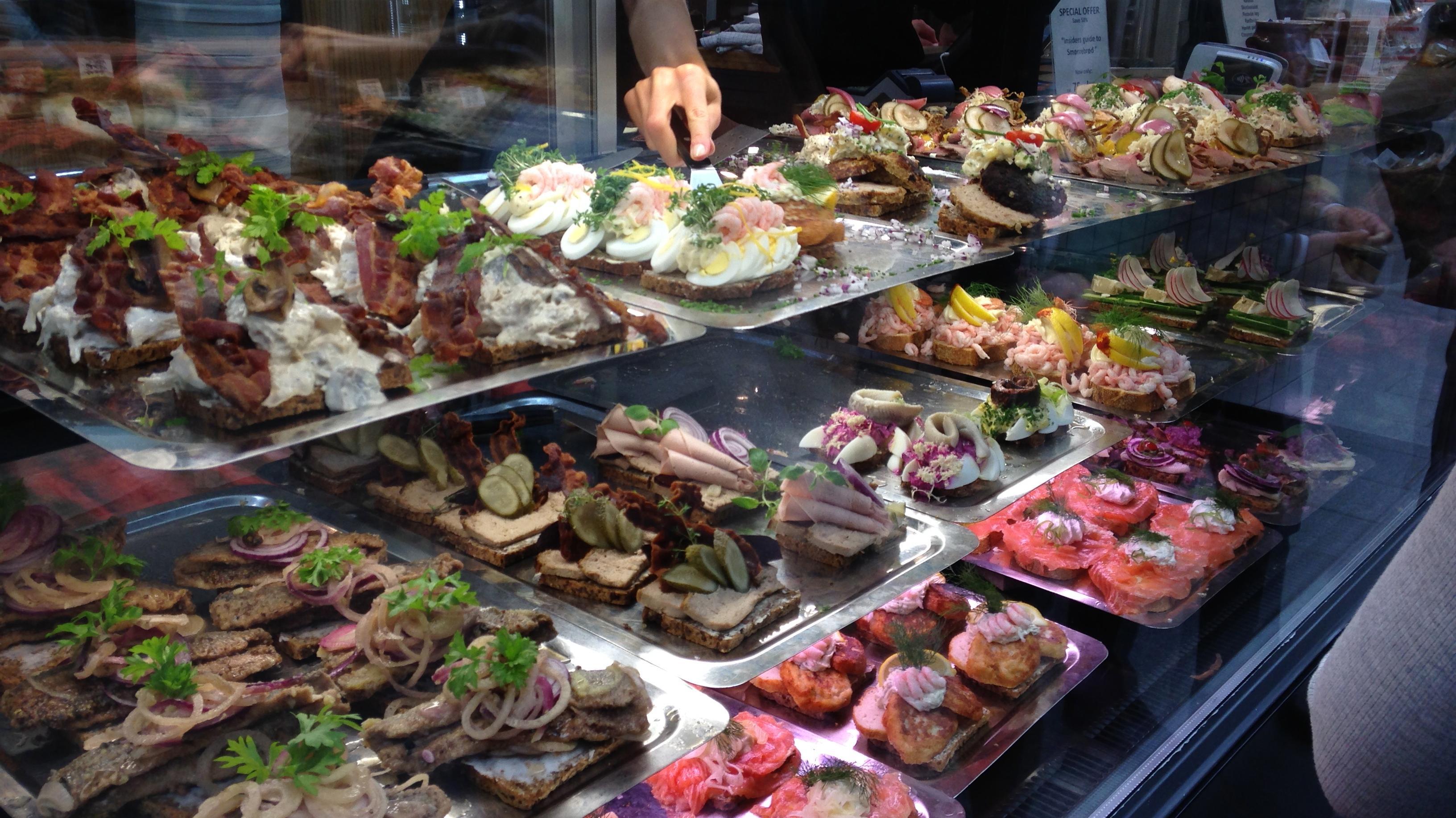 Dansk smørrebrød er stadig et hit – men det har brug for fornyelse   Kultur   DR