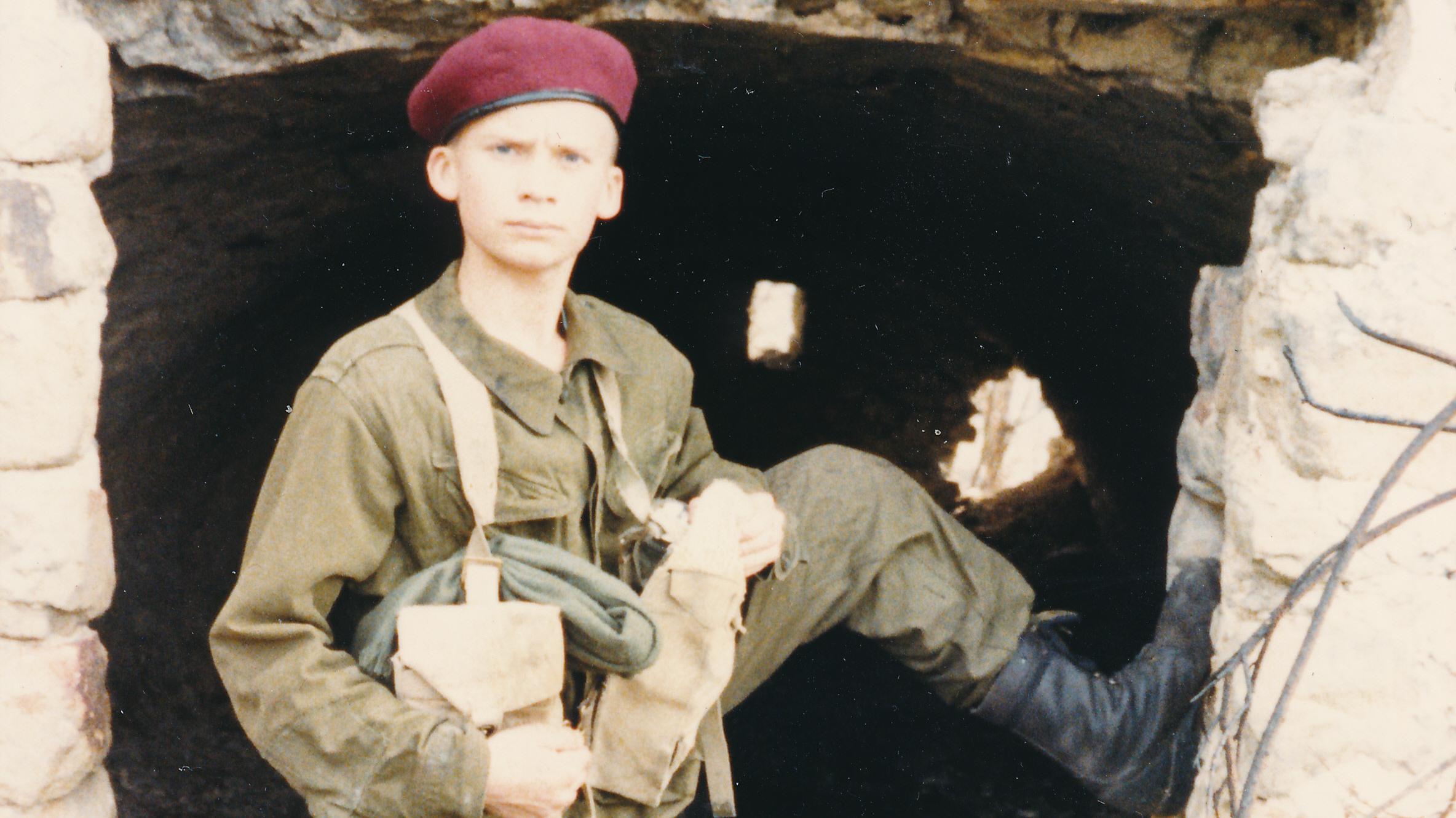 kampuniform_1987.jpg
