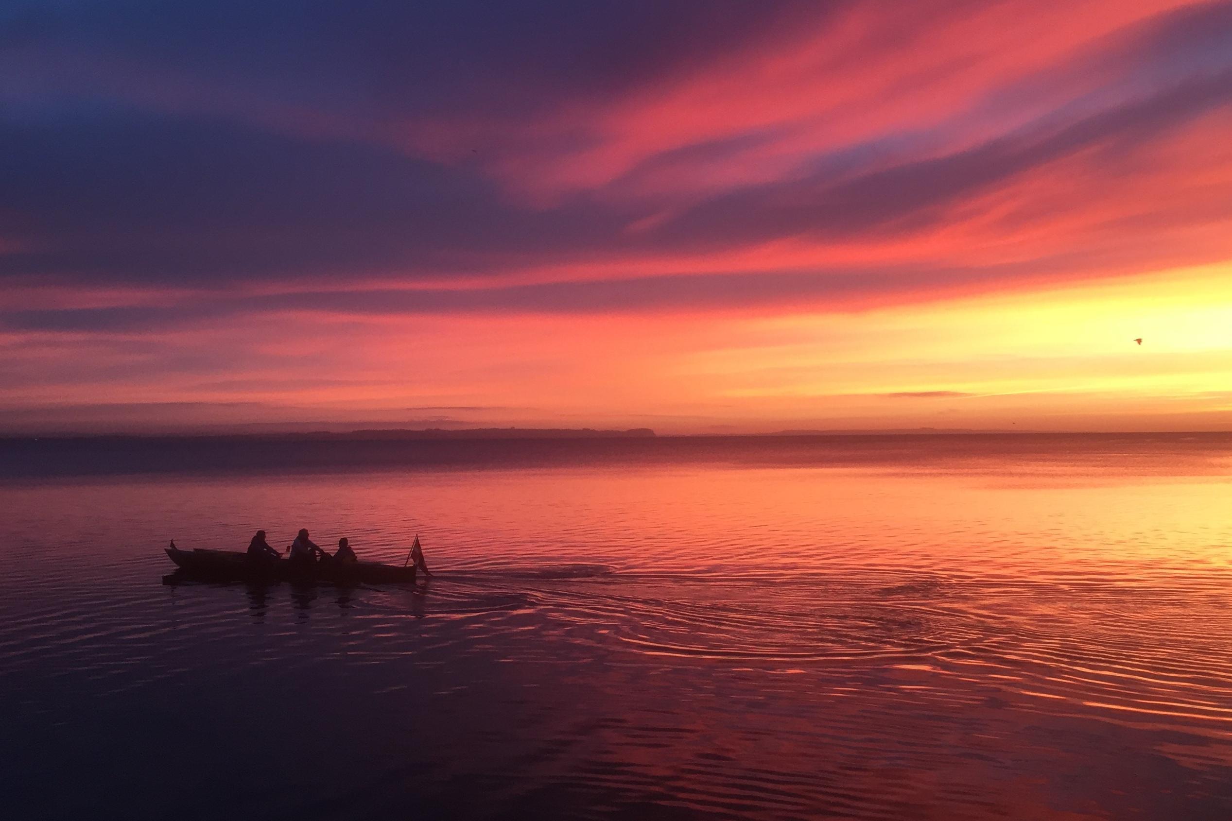 Aarhus bugt i solopgangen