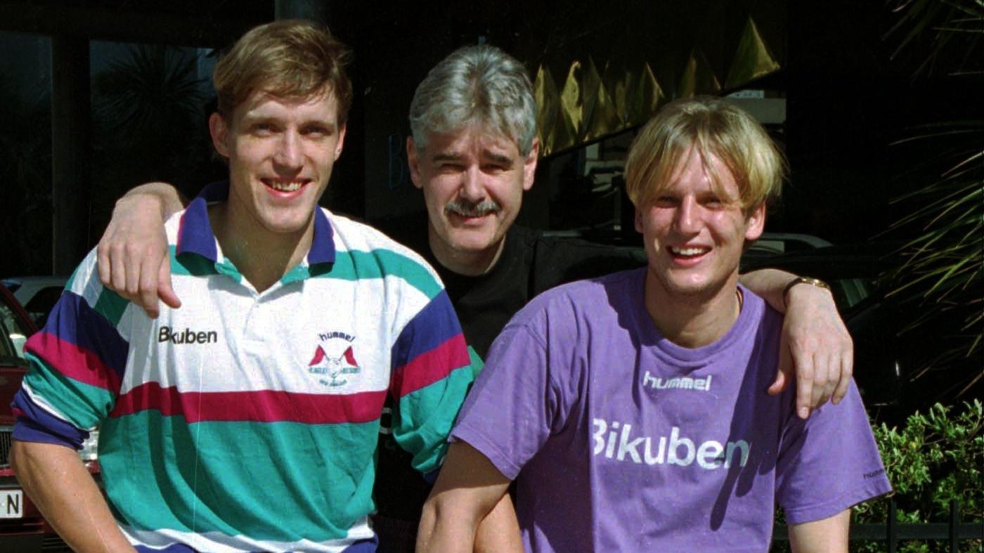 Nikolaj Jacobsen i selskab med sin træner i GOG-tiden, Bent Nygaard, og klubkammeraten René Hamann-Boeriths.
