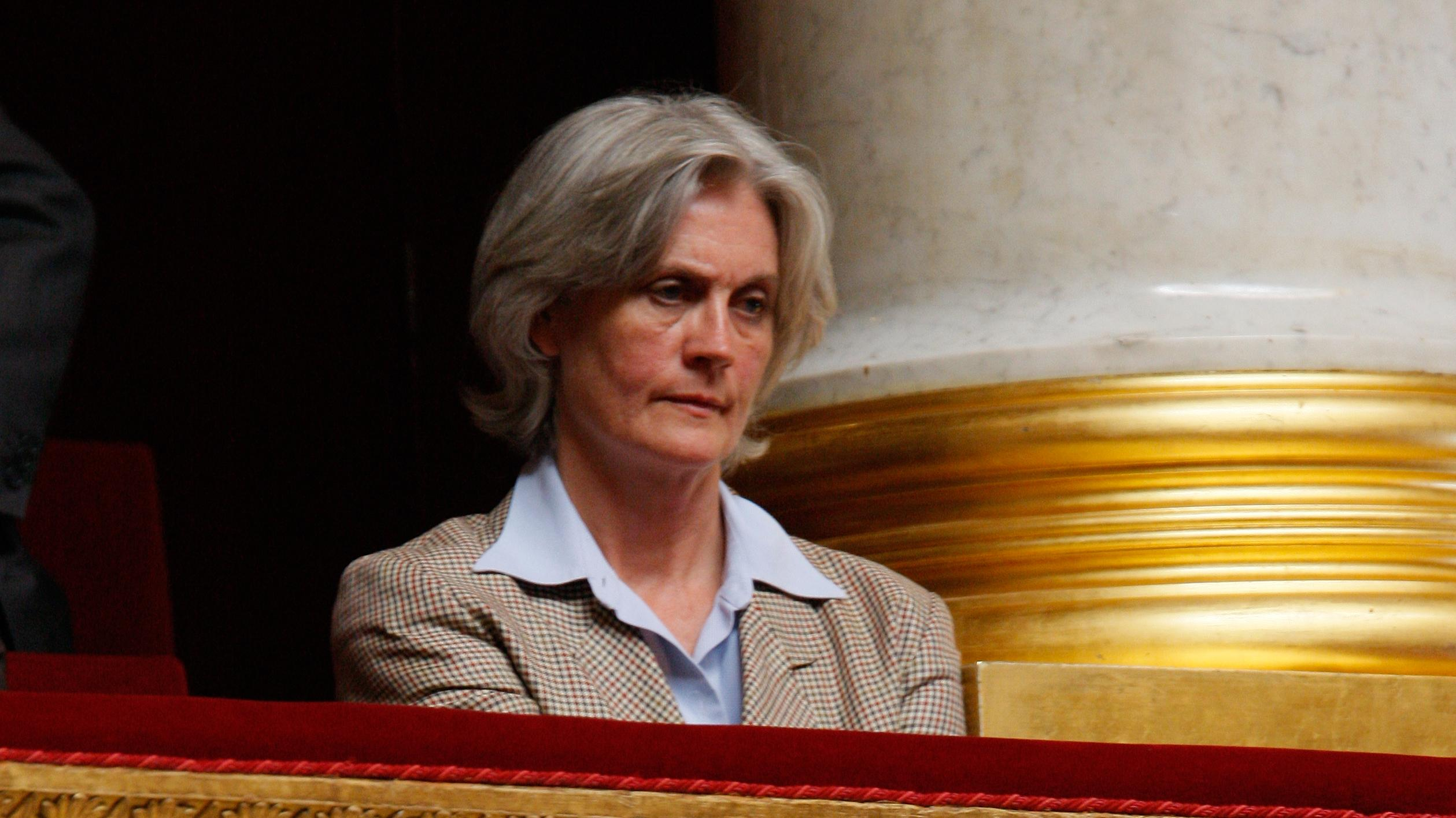 udland Fransk praesidentkandidat Min kone har altid arbejdet for mig artikel