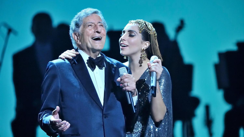 Tony Bennett & Lady Gaga - Cheek To Cheek Live