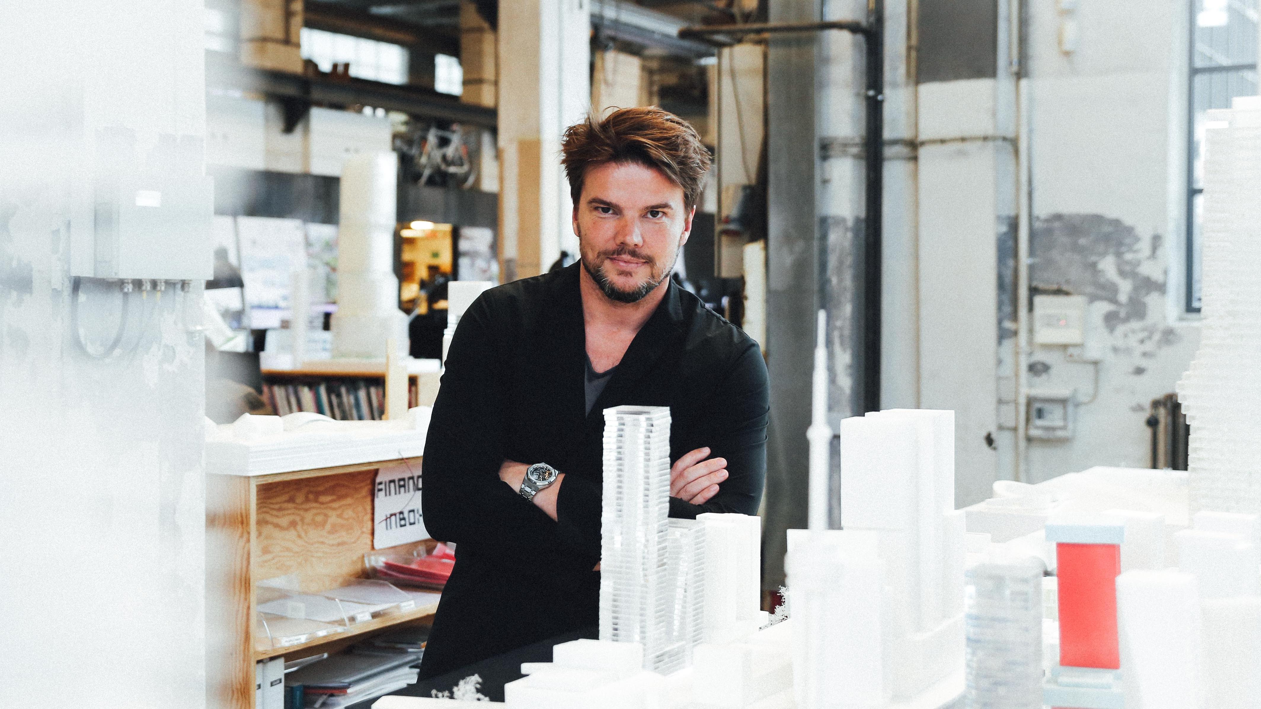 Bjarke Ingels i sin BIG-tegnestue i Valby