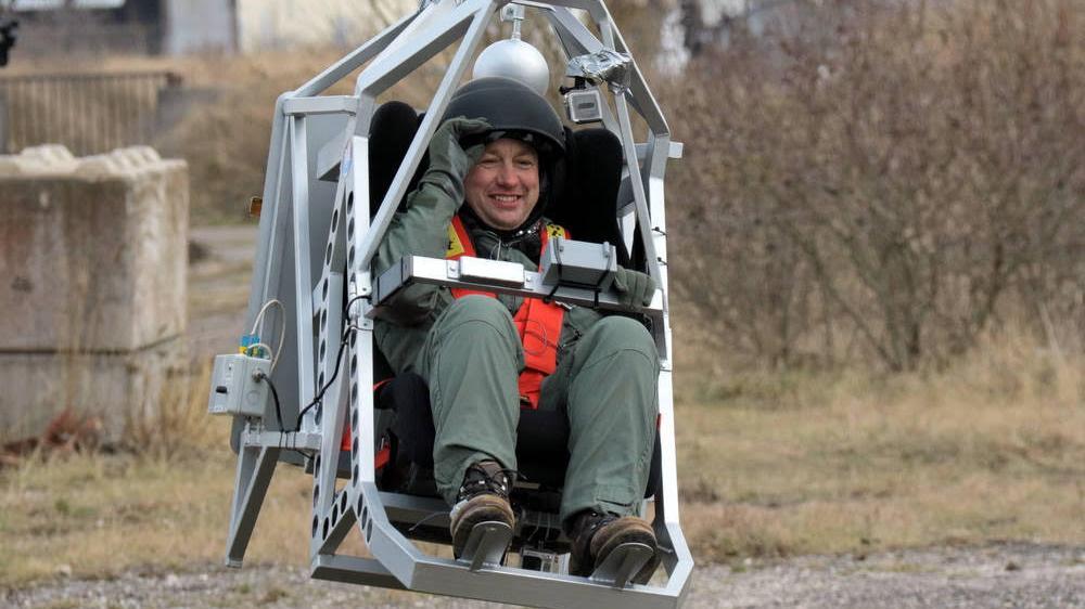 Peter Madsen i den raketmotordrevne centrifuger, han bruger som led i ...