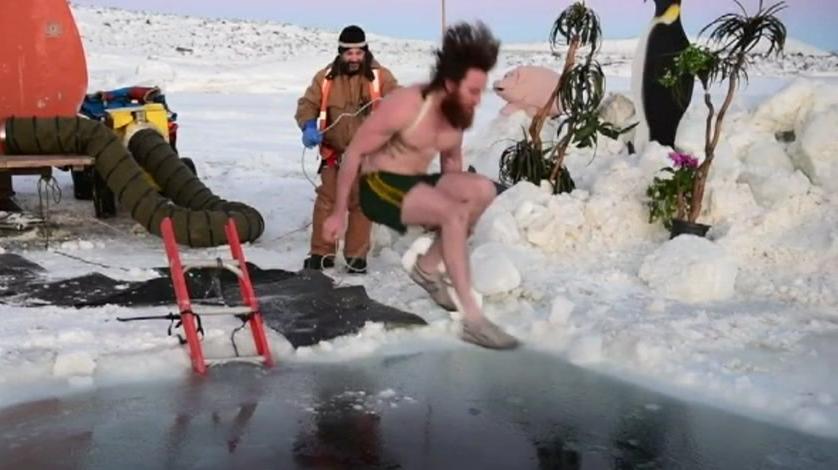 9377070_vicf_antarctica_winter_solstice_dip-08.31.18.14.jpeg