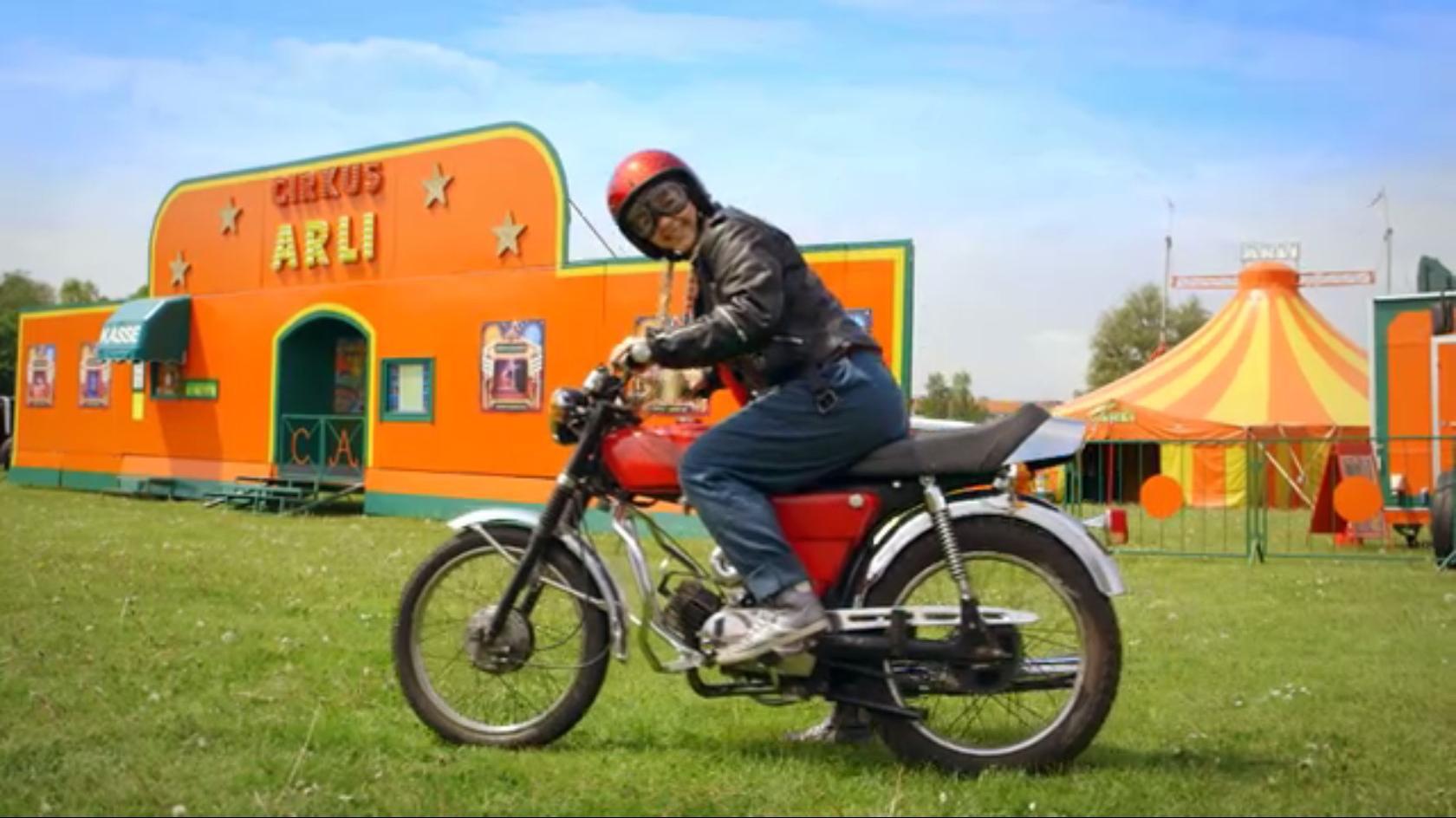 motor mille på motorcykel.jpg