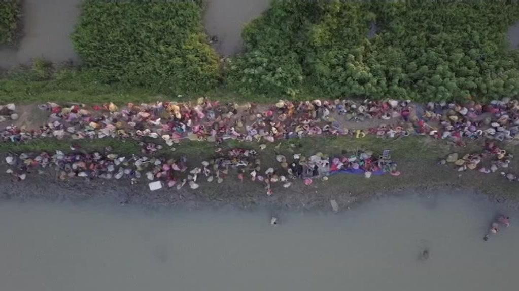 lbes_a_bangladesh_rohingya_drone-00.00.55.06.jpg
