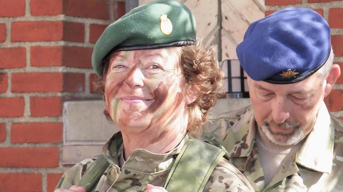Ulla Skou - feltpræst