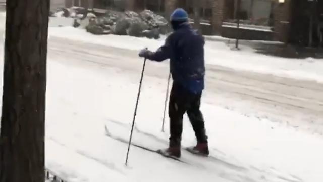 Mand på ski.jpg