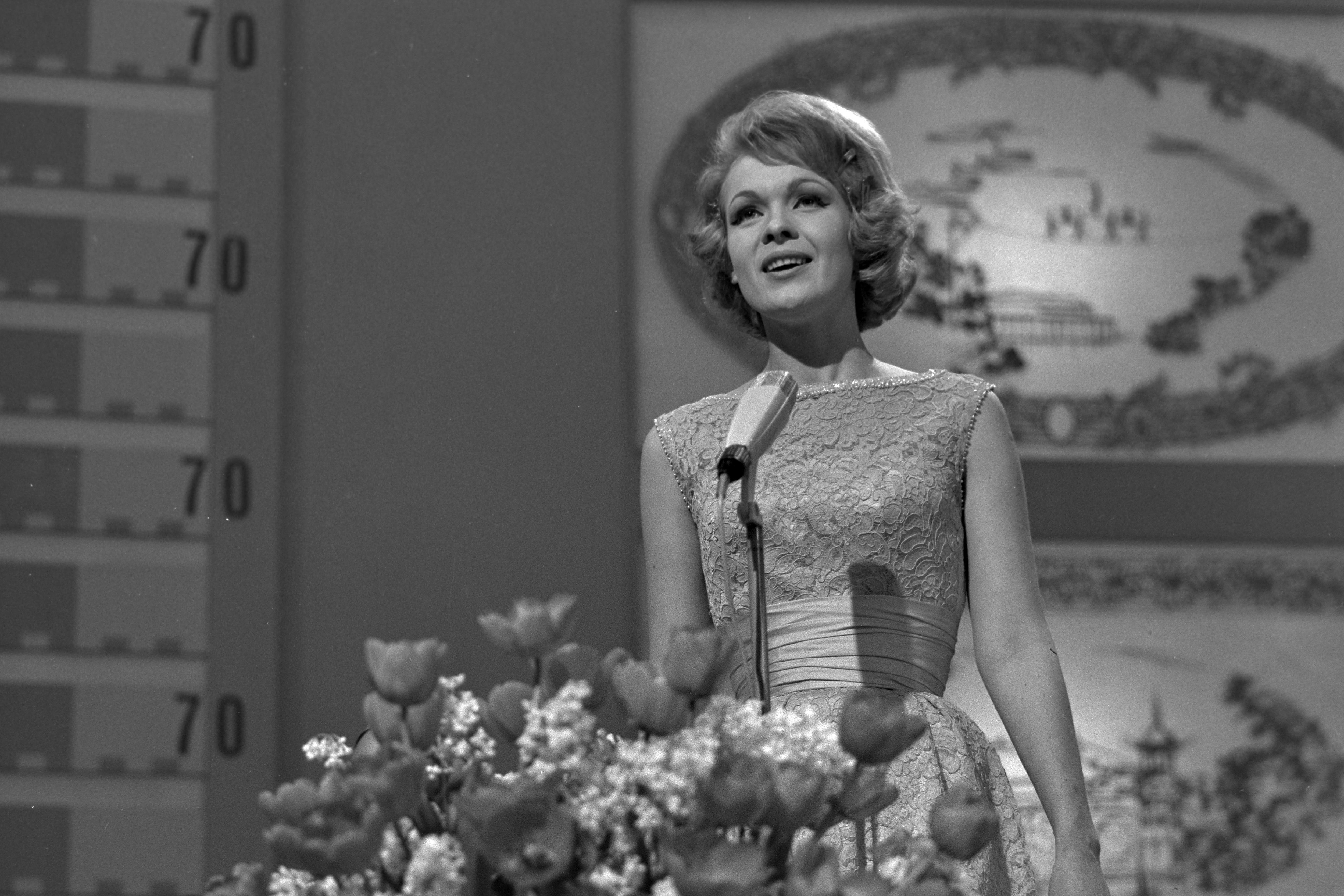 Lotte Wæver vært i Eurovision 1964