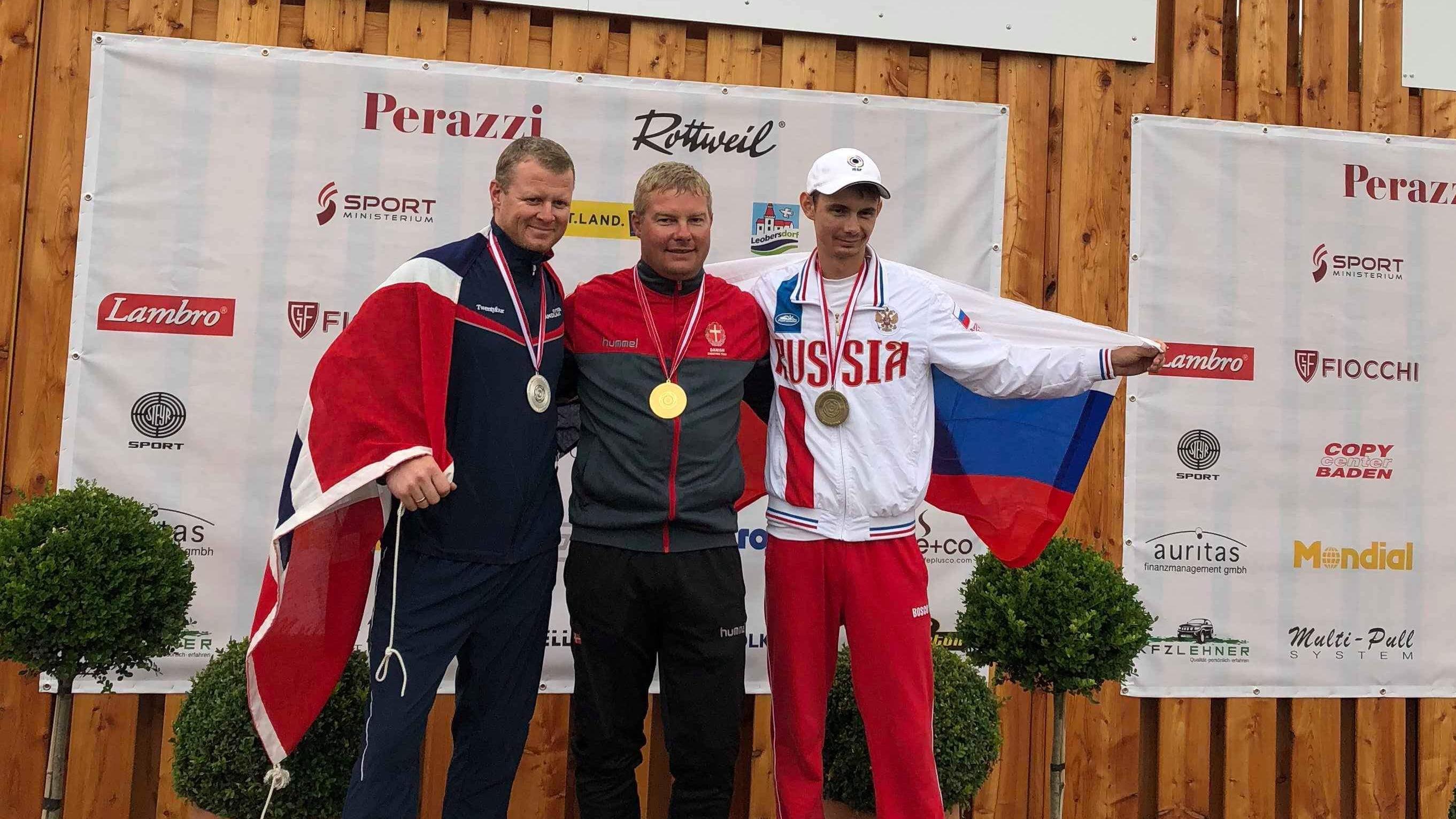 jesper-hansen-skeet-em-medaljeoverraekkelse3.jpg