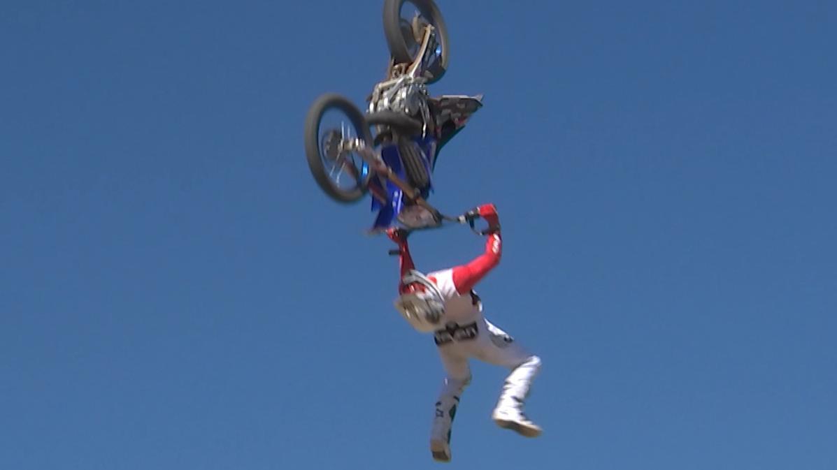 kthr_a_sport_motorcross_hq.mxf_.01_04_42_00.still001.jpg