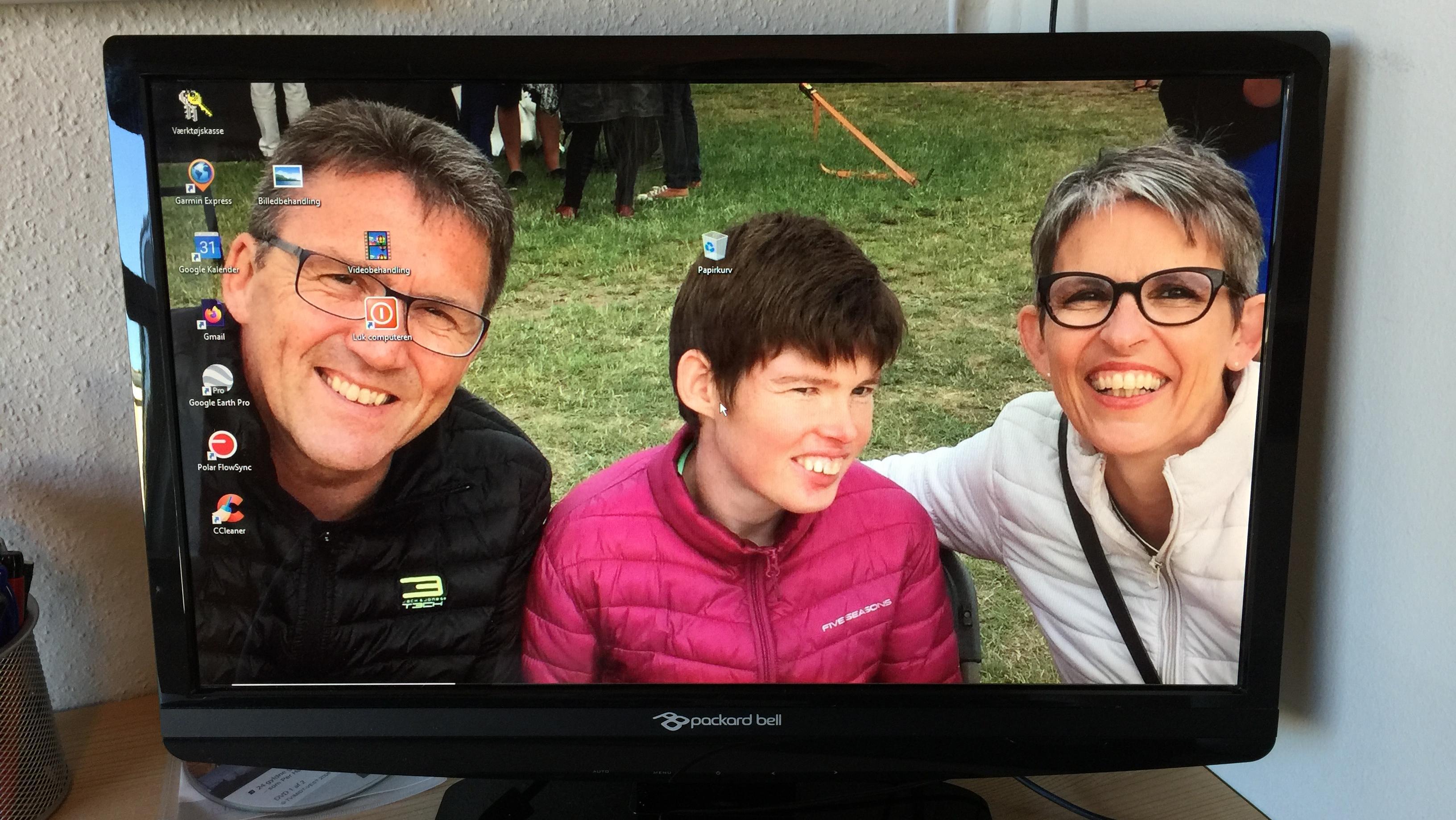 Multihandicappede Sidsel med sin far og mor
