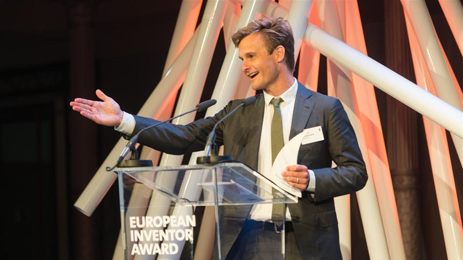 peter_holme_jensen_wiinner_european_inventor_award_2014_smes_category_berlin_17_june_2014_lr.jpg